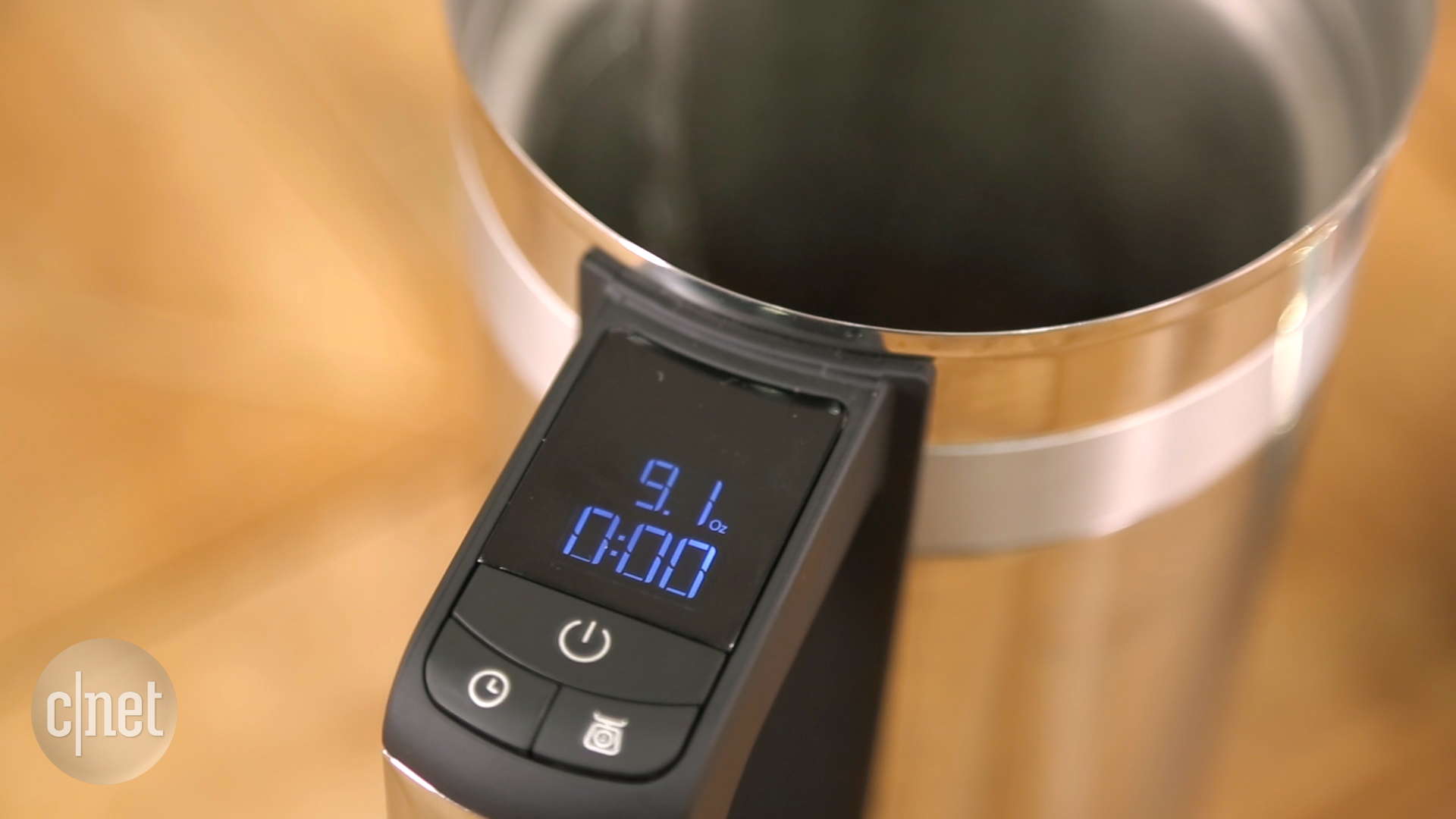 Video: KitchenAid's Precision Press coffee maker sports a built-in scale for accuracy