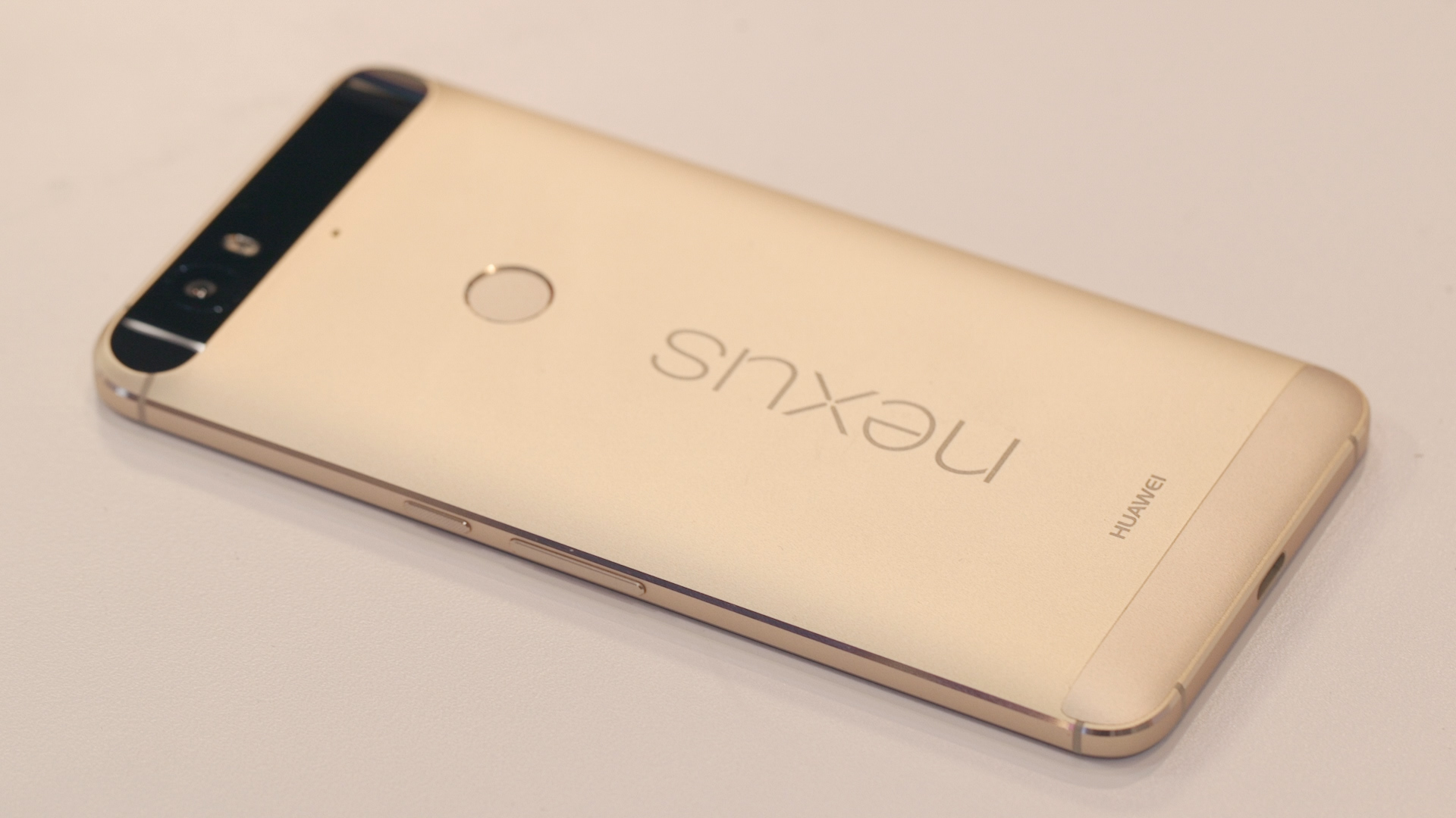 Video: Gold Nexus 6P: Feast your eyes