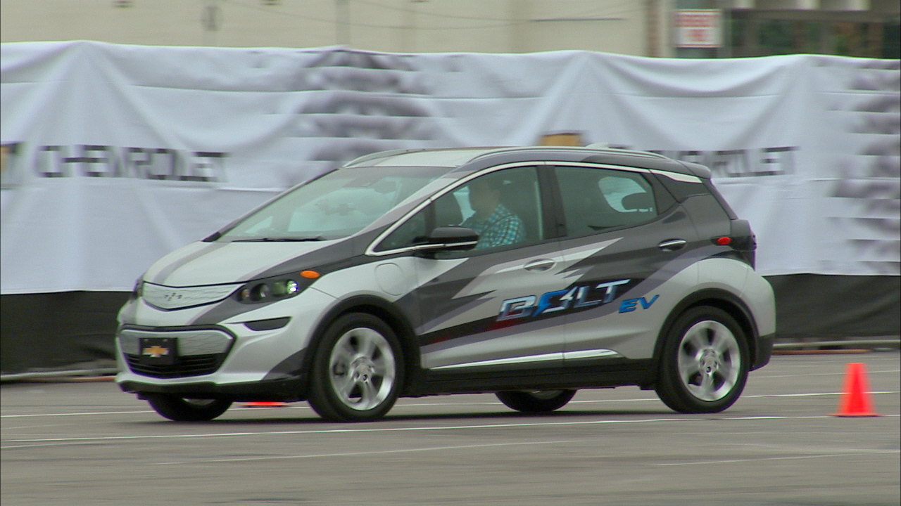Video: Hitting the road in Chevy's $30k, 200-mile Bolt EV