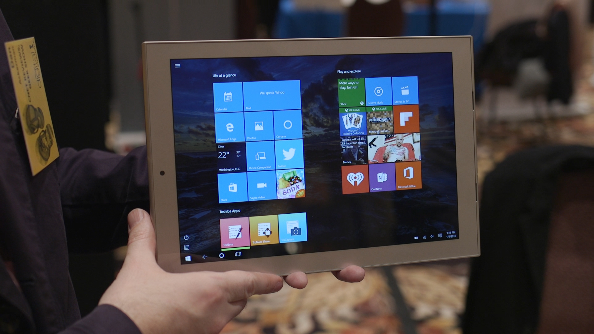 Video: Hands-on with Toshiba's skinny dynaPad tablet