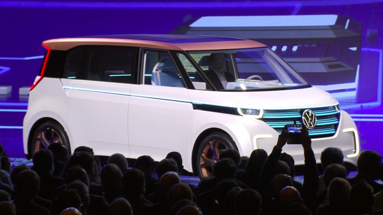 Video: VW rolls out BUDD-e Microbus Concept