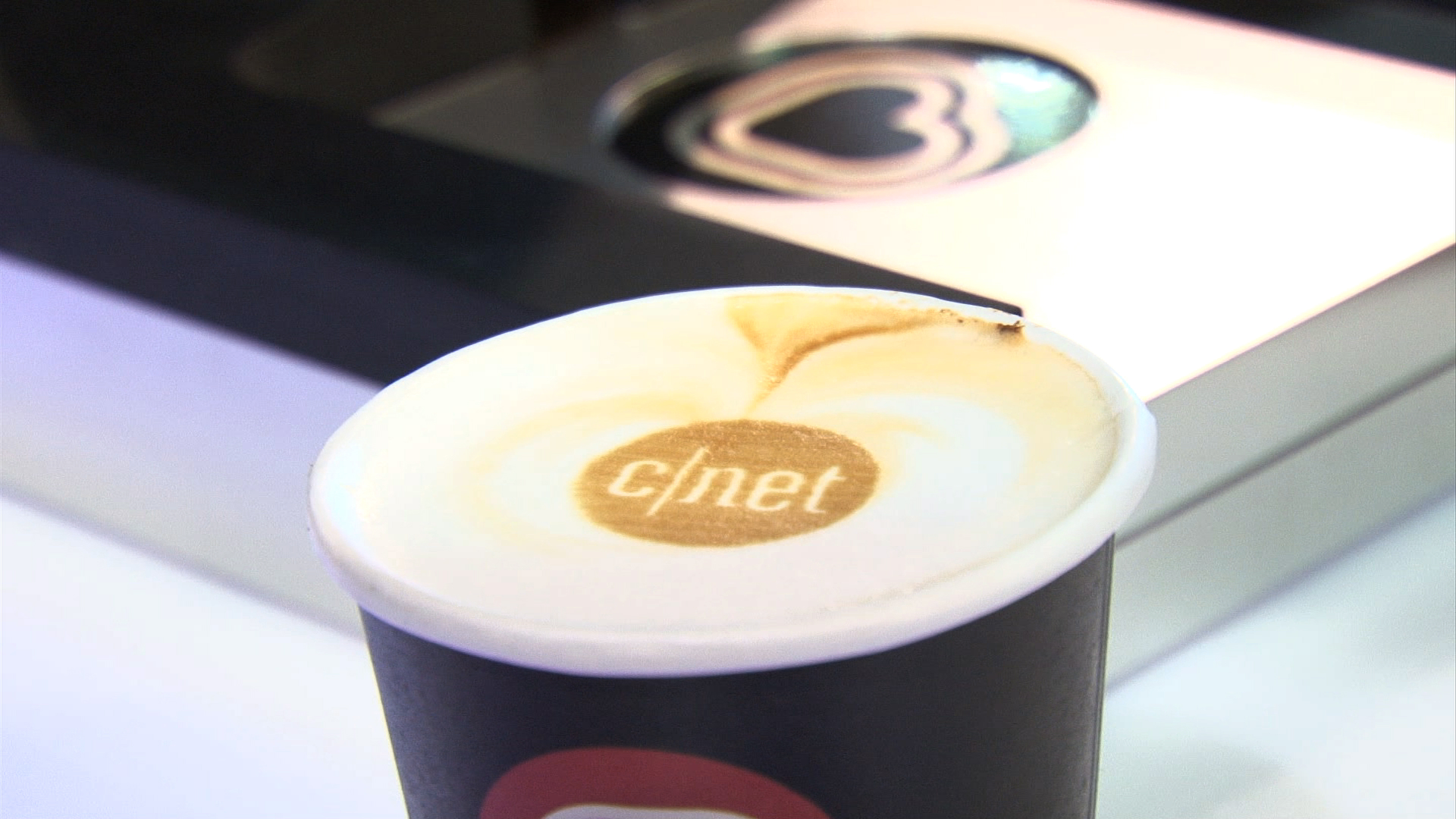 Video: RippleMaker prints on your cup of coffee