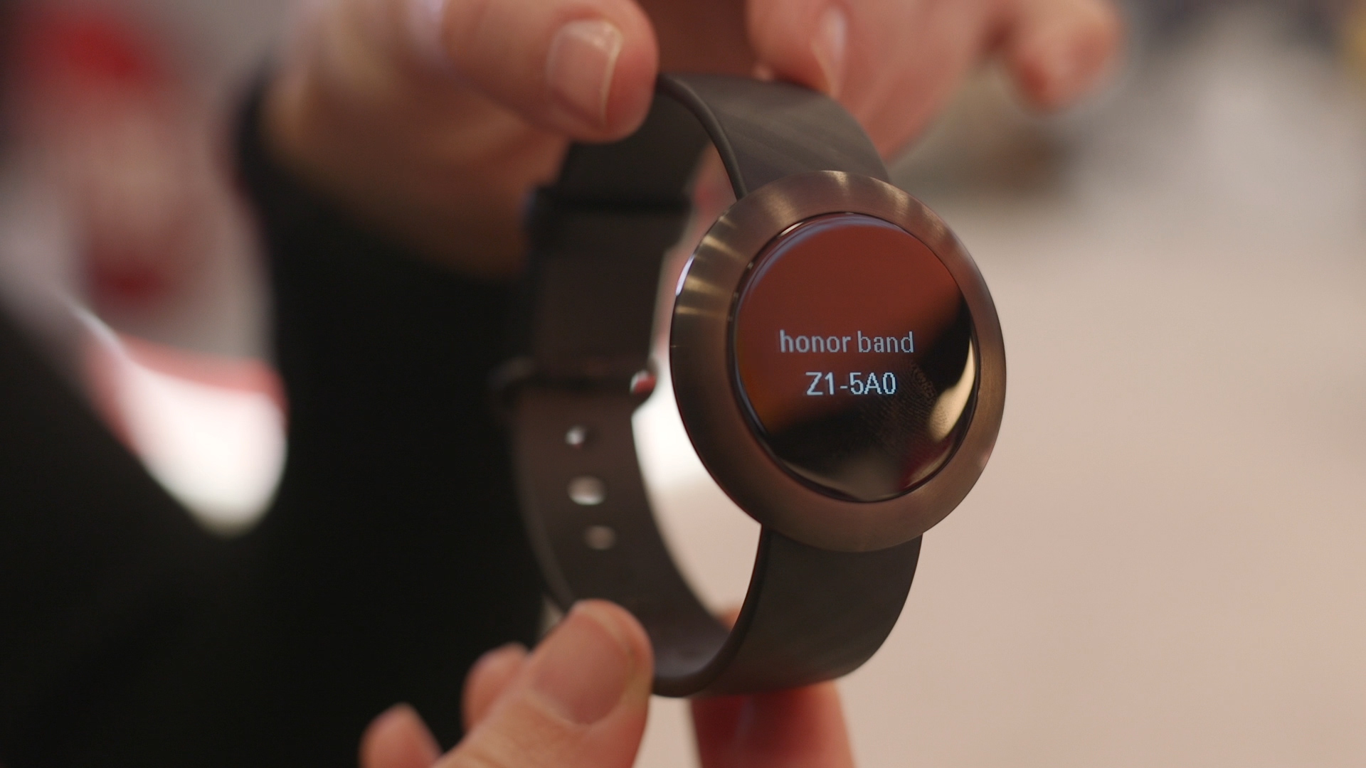 Video: Huawei Honor Band Z1 an $80 smartwatch that skips Android Wear