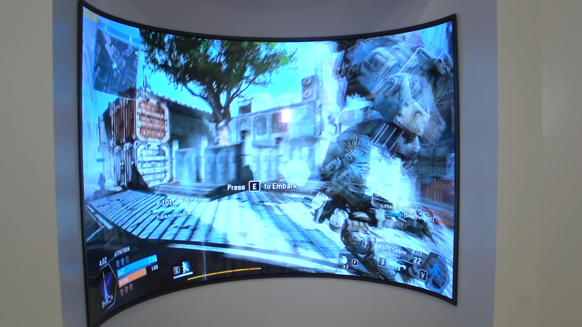 Video: LG Display bends reality with hyper-curved concave OLED