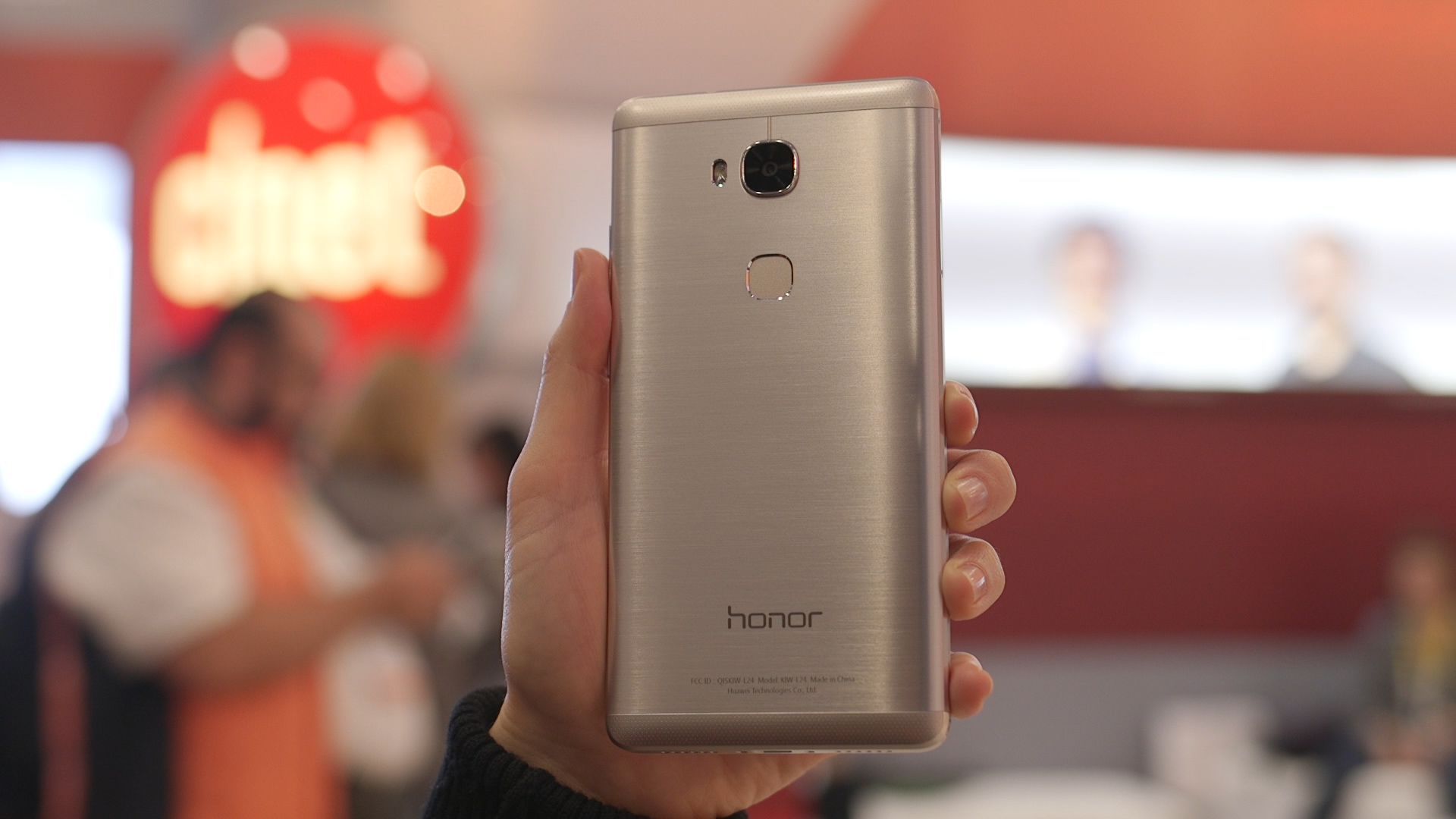 Video: Huawei's Honor 5X is dirt cheap