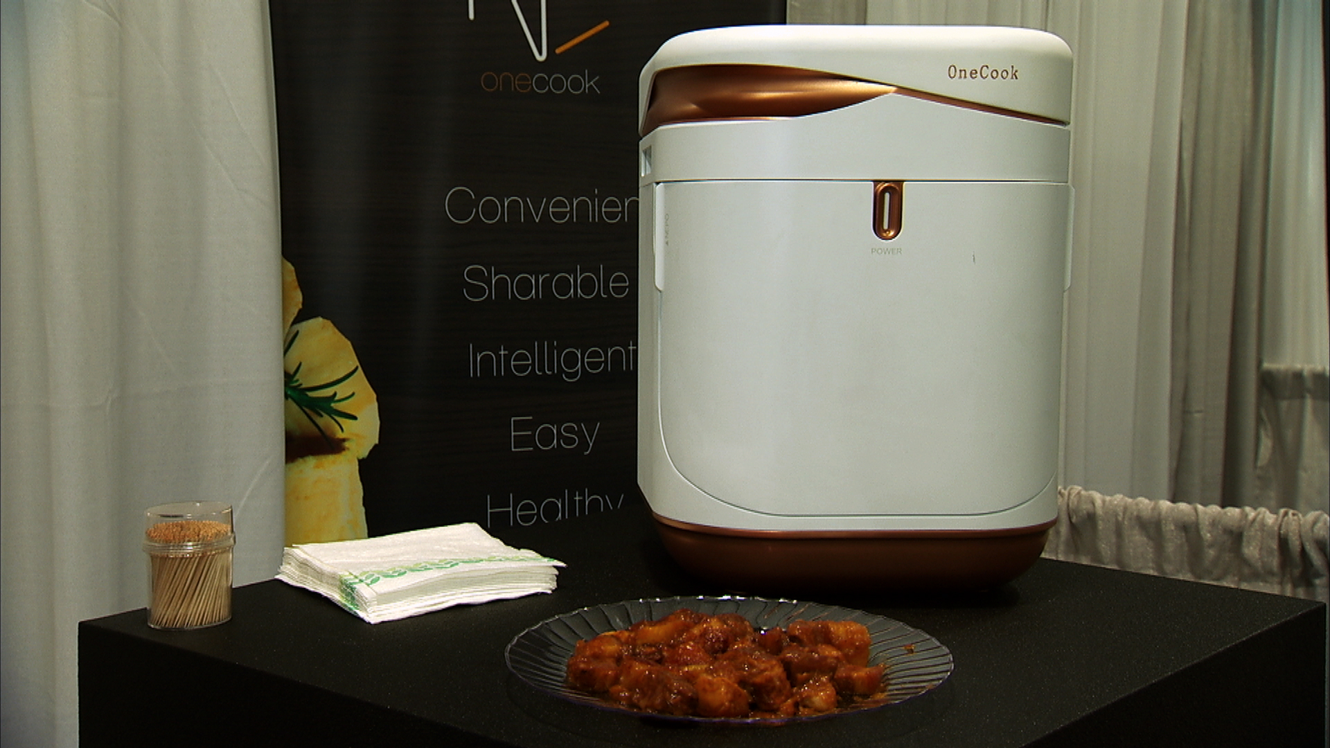 Video: Hate cooking? Let OneCook's smart device handle dinner