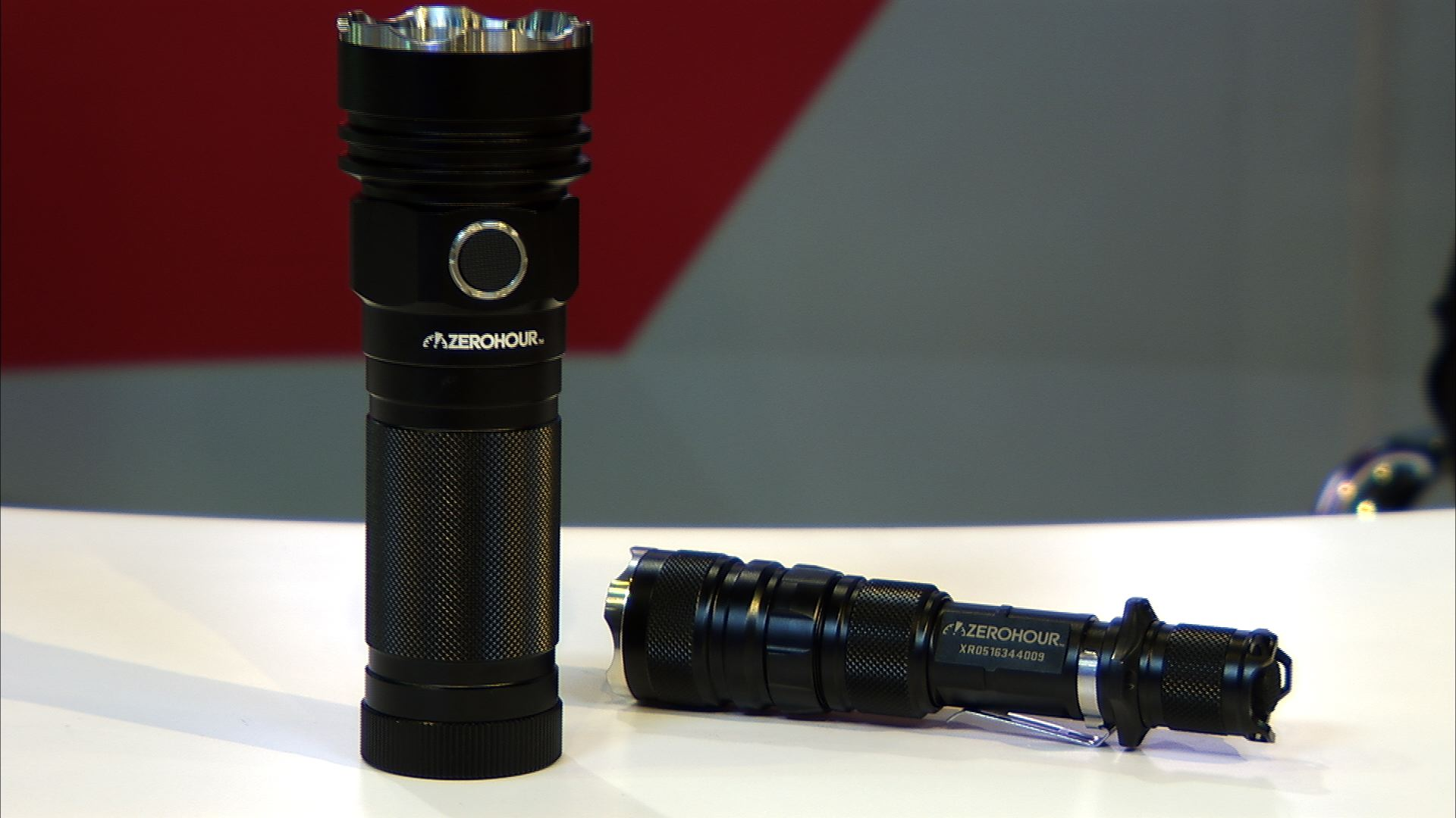 Video: ZeroHour's modular flashlight charges USB devices on the go