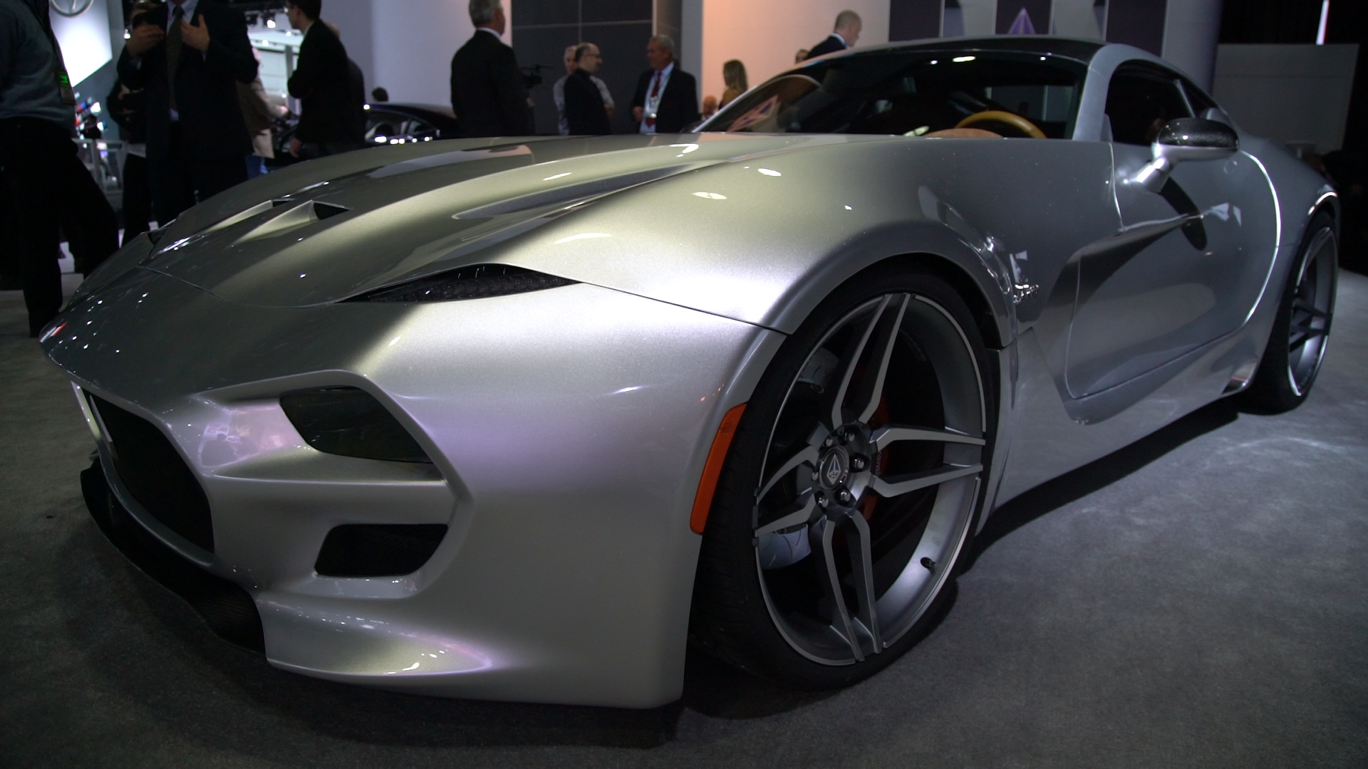 Video: VLF Force 1 is a 745 HP carbon fiber monster