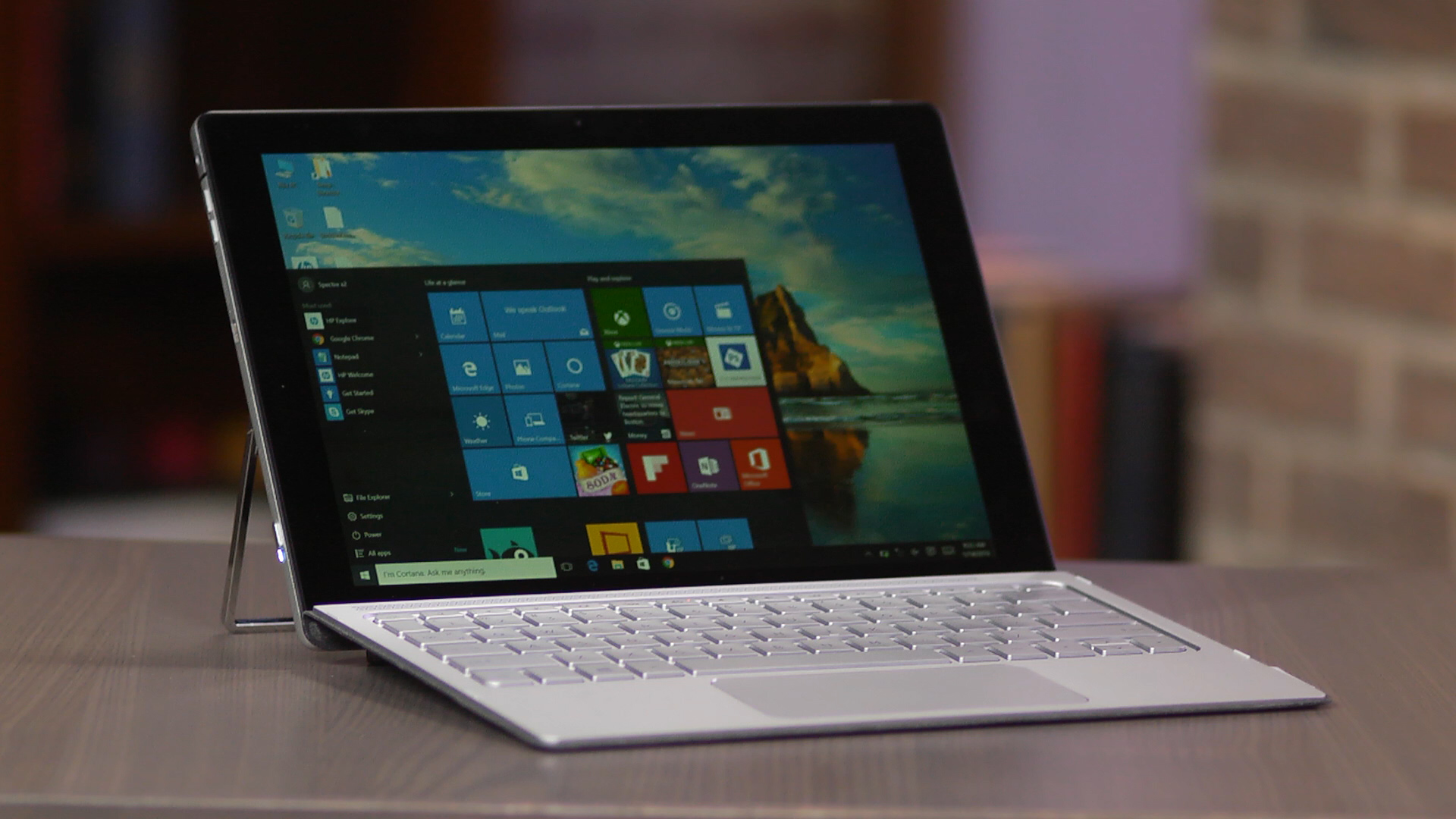 Video: HP Spectre x2 is a Surface-like tablet, keyboard included