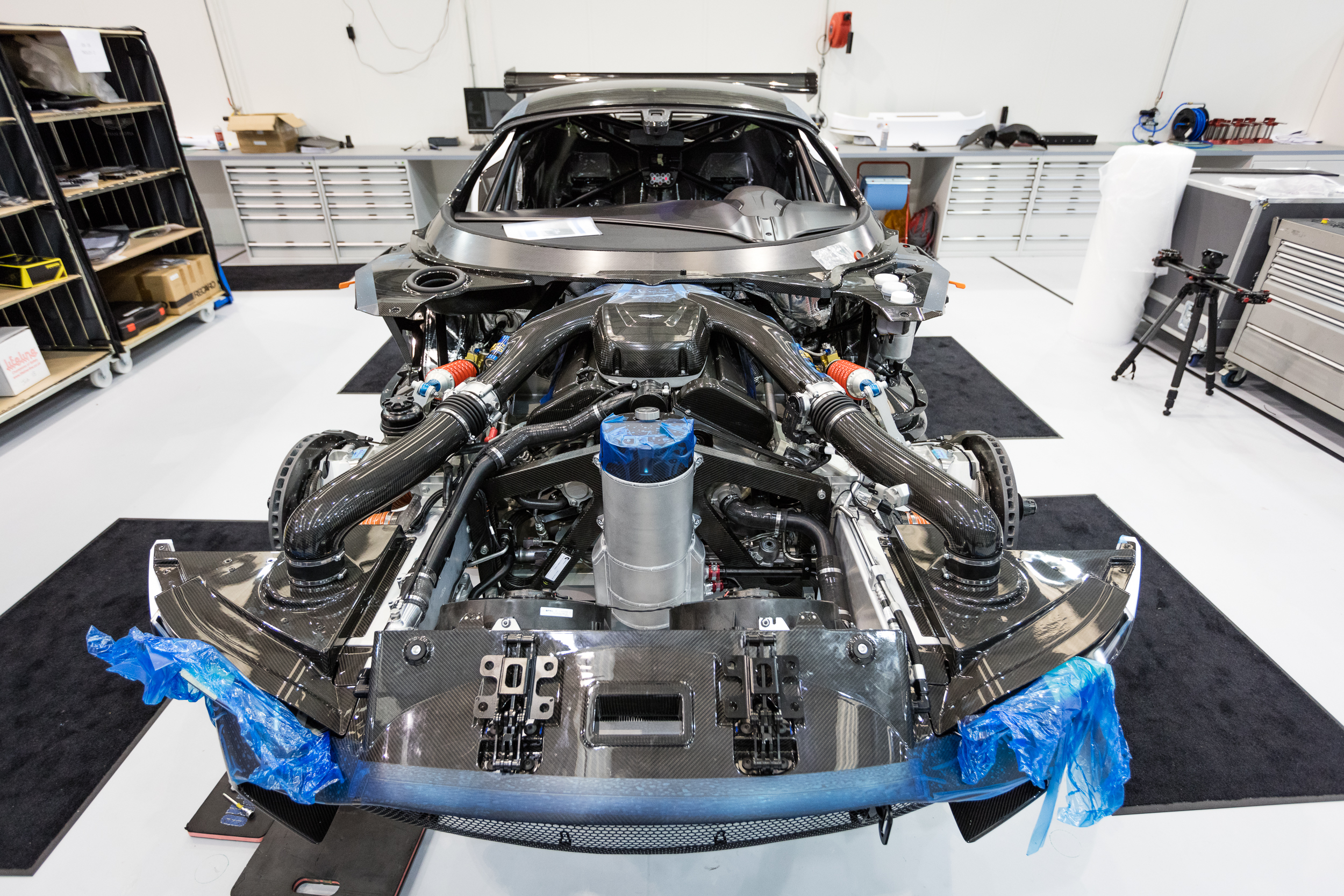 Building Aston Martin S Awesome Vulcan Racecar Pictures