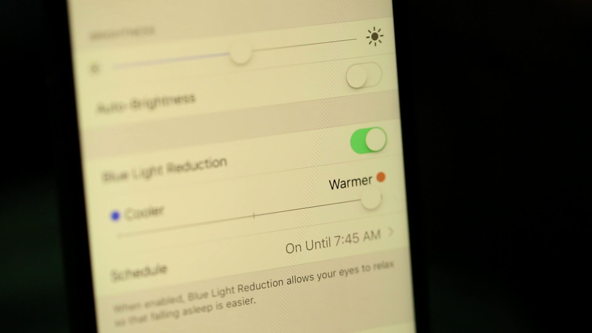 Video: Enable Night Shift mode in iOS 9.3