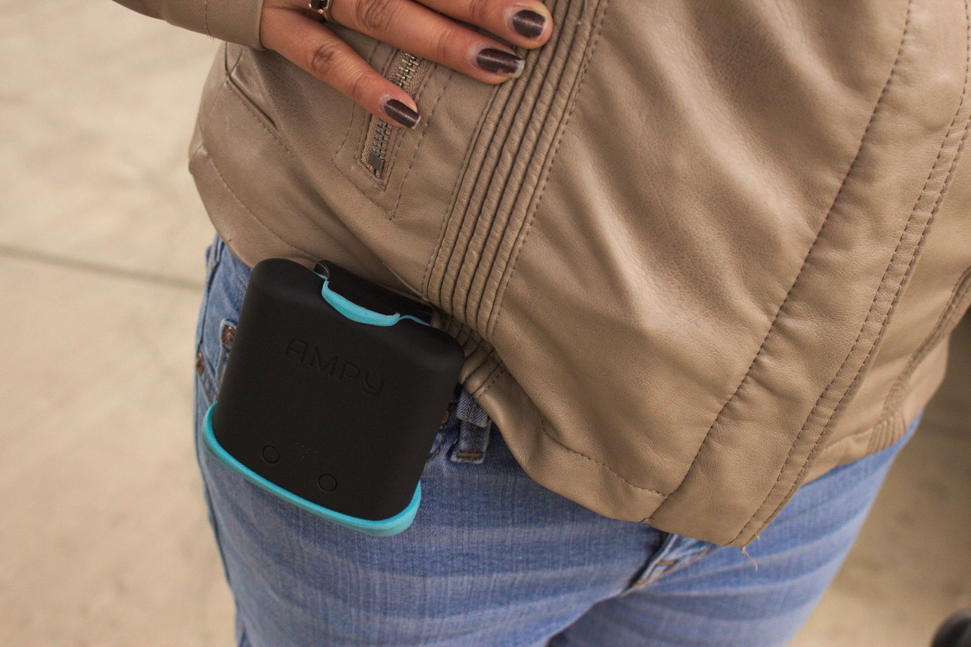 Ampy Is the External Battery for Your Mobile