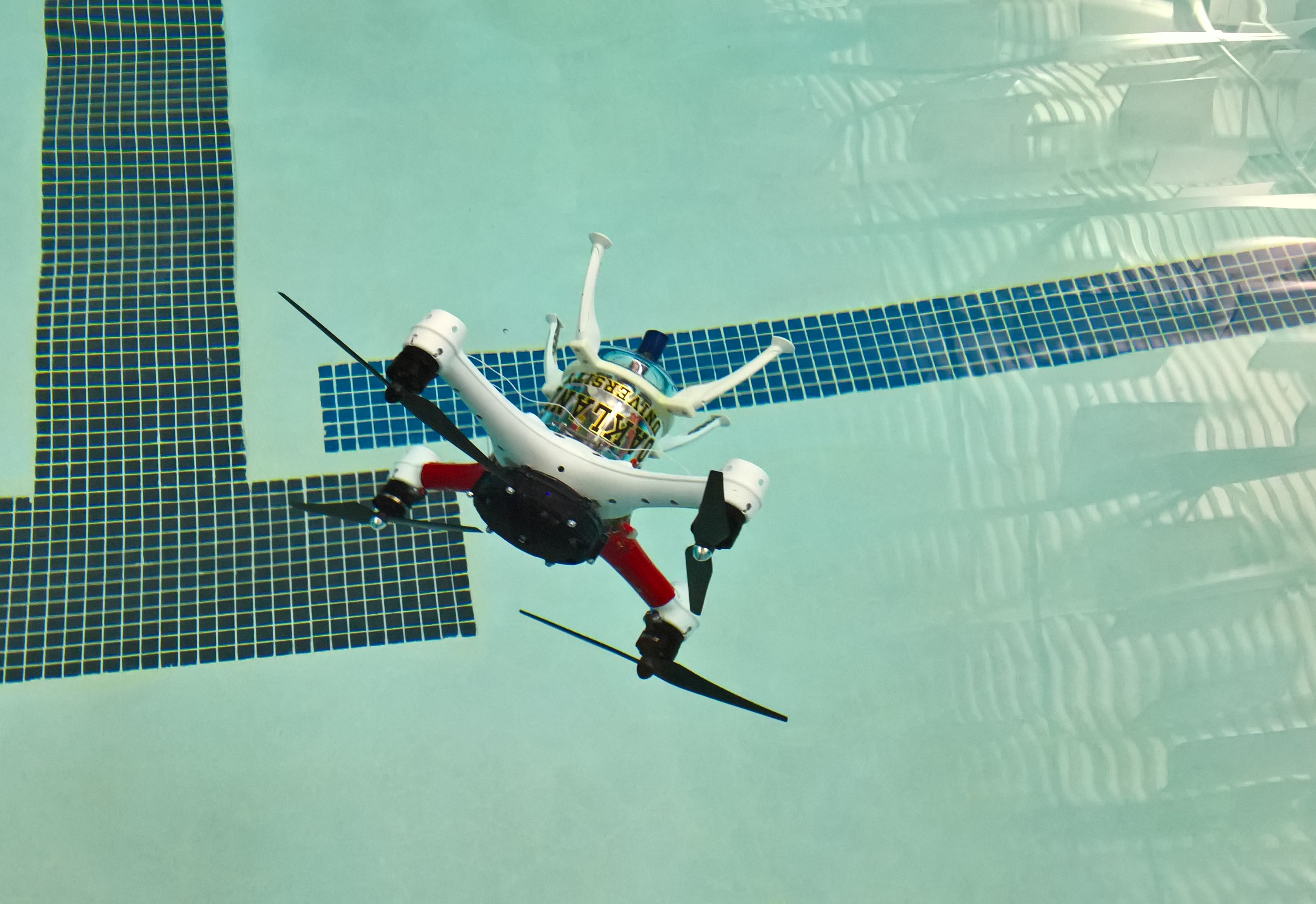 Video: Prototype drone swims better than we can (Tomorrow Daily 305)