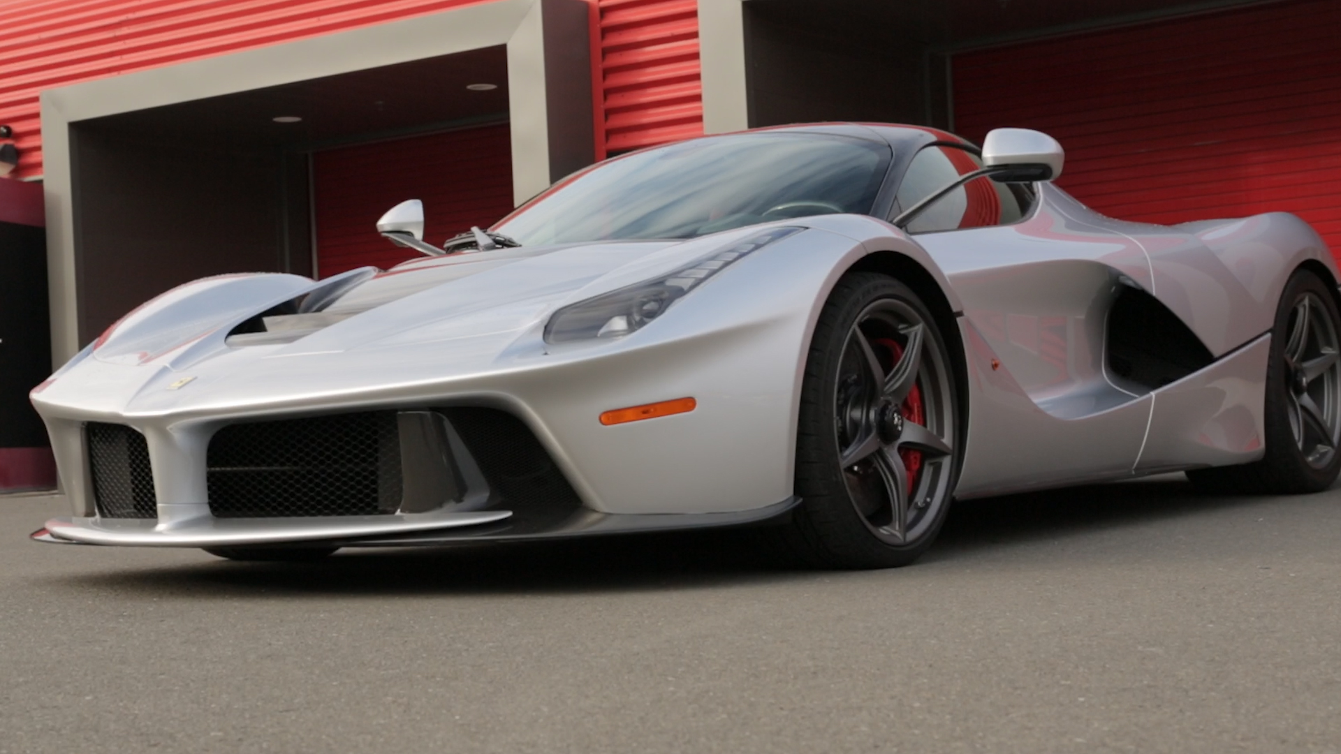 Video: Meet the LaFerrari, CNET style (CNET On Cars, Episode 82)