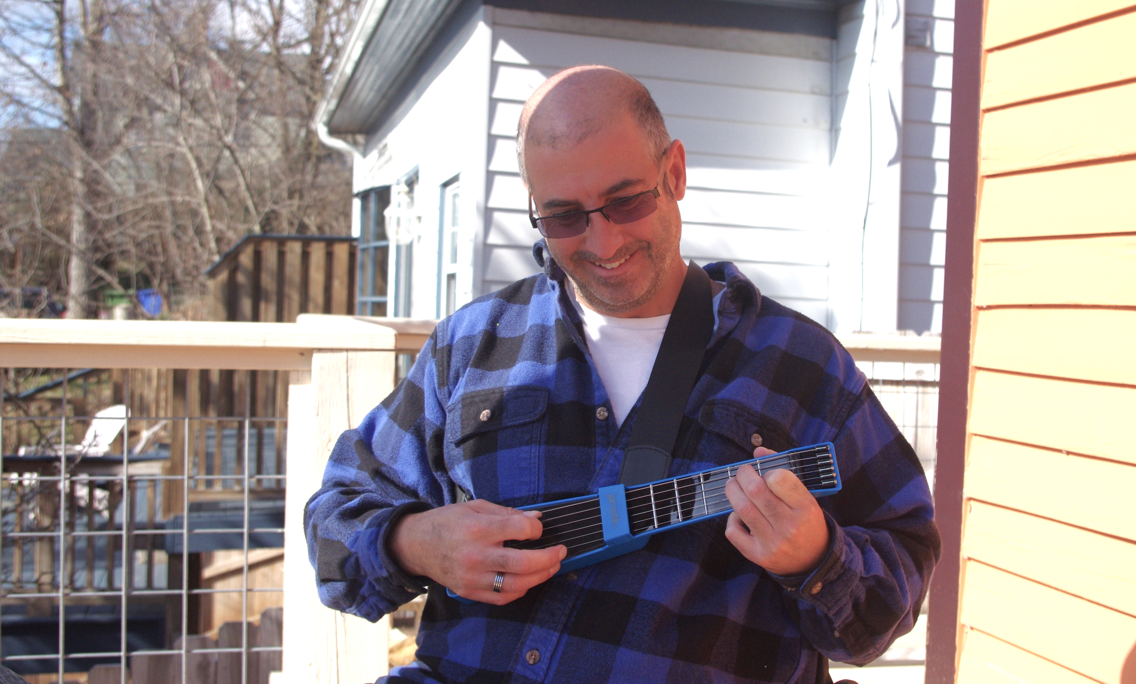 "<p style=""margin-left: 20px;"">It's not quite a stage in Nashville, but the author hopes he can at least play a song or two on his deck with the JamStik in a few months.</p>"