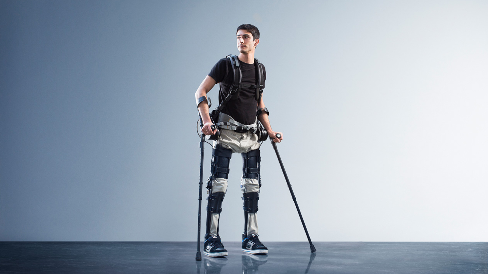 Video: Phoenix exoskeleton aims for cheaper price, agile experience (Tomorrow Daily 308)