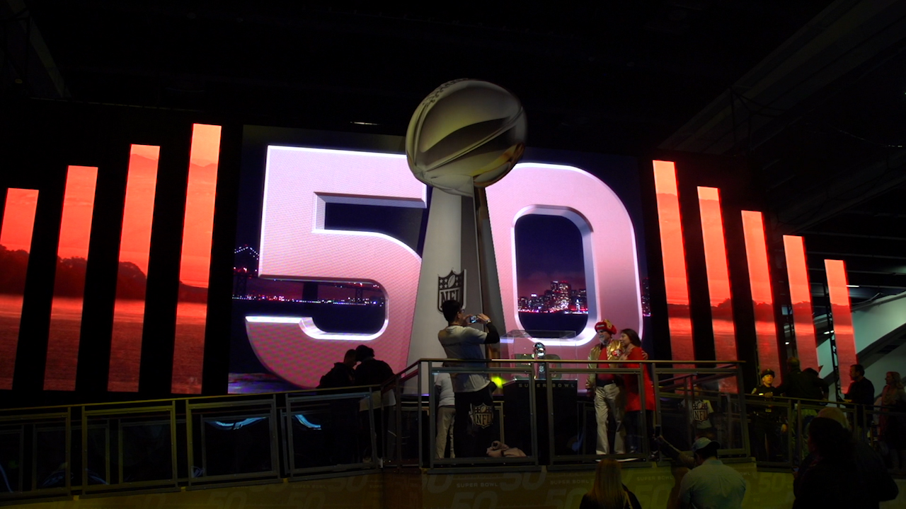 Video: El Super Bowl 50 al estilo de Silicon Valley