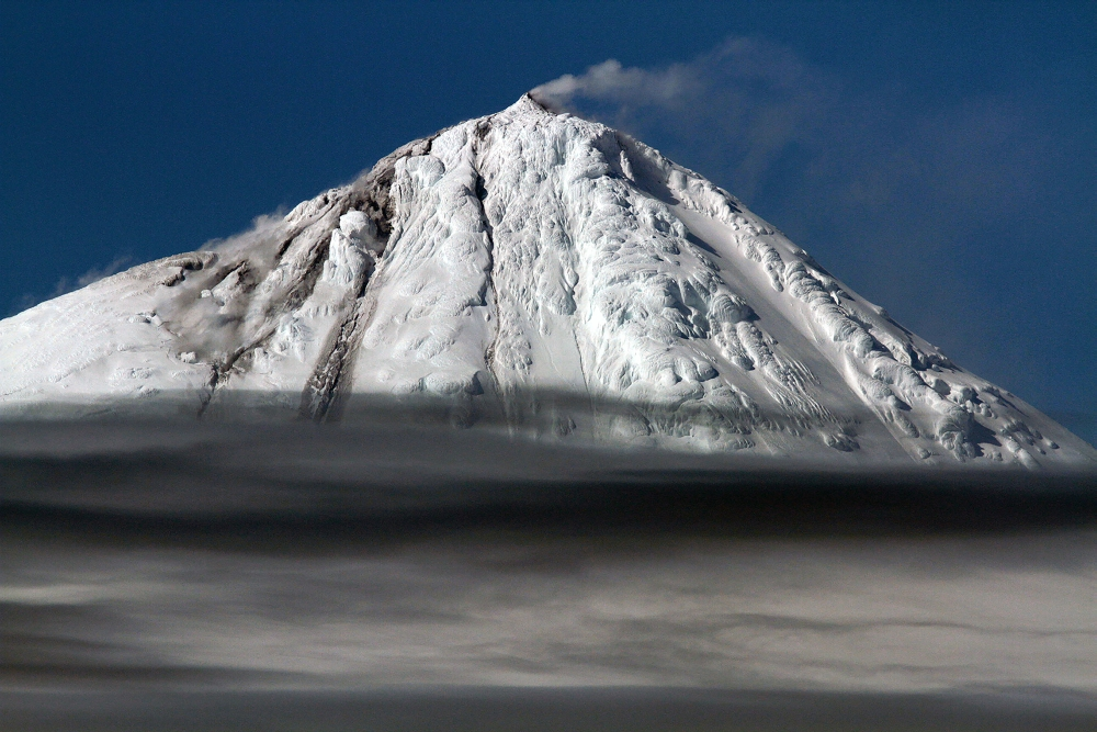 <p>A rare glimpse of an icy volcano in action.</p>
