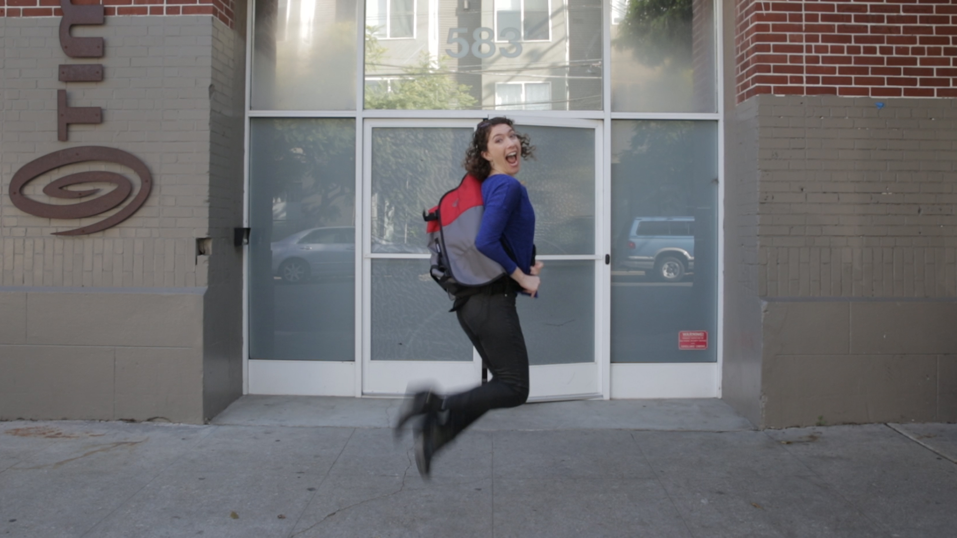 Video: We designed a laptop bag, then watched them make it