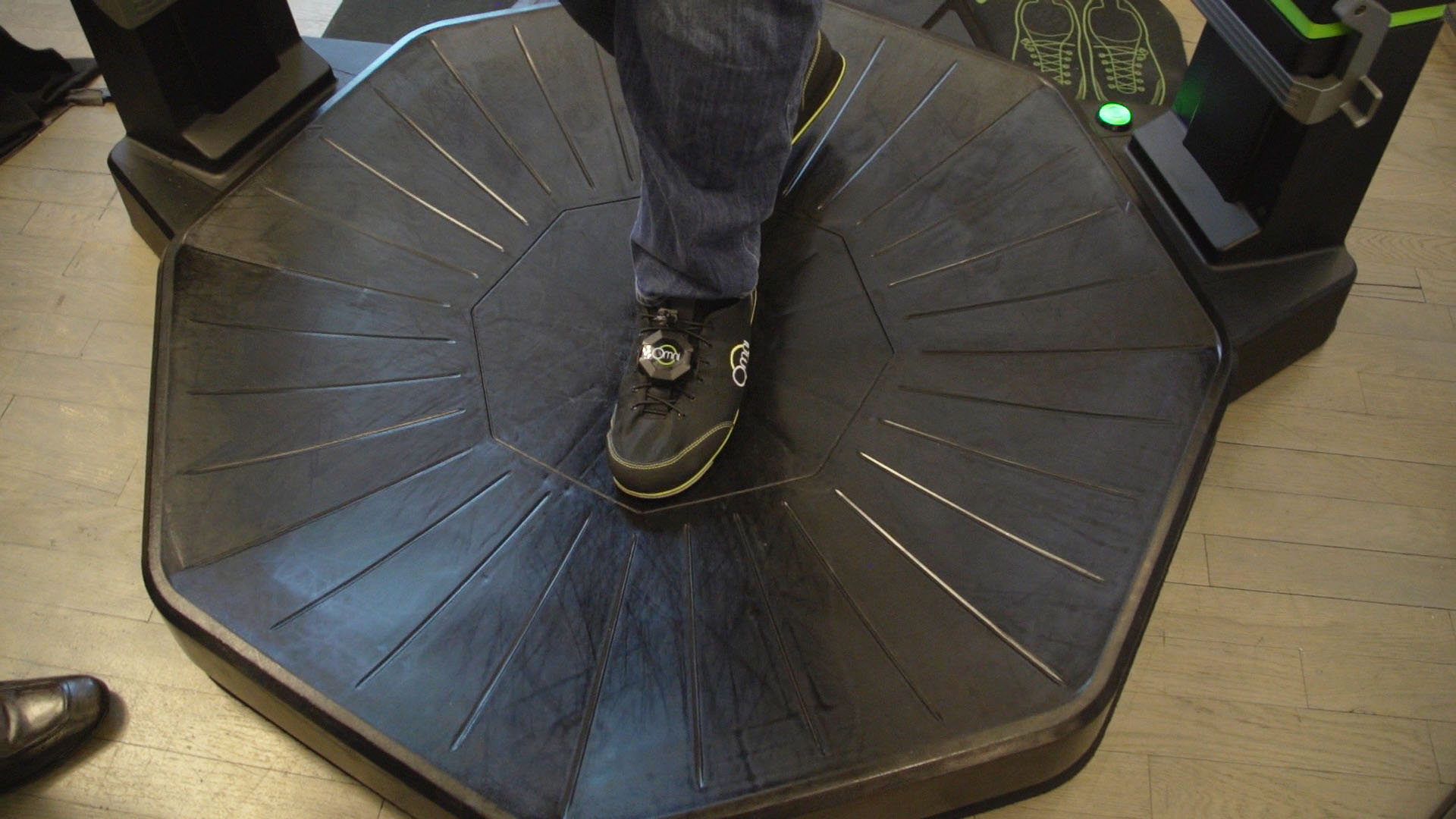 Video: 360-degree VR treadmill is finally available