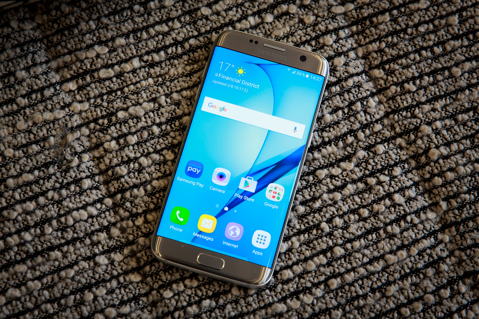 Samsung's Galaxy S7 is selling twice as fast as the Galaxy S6