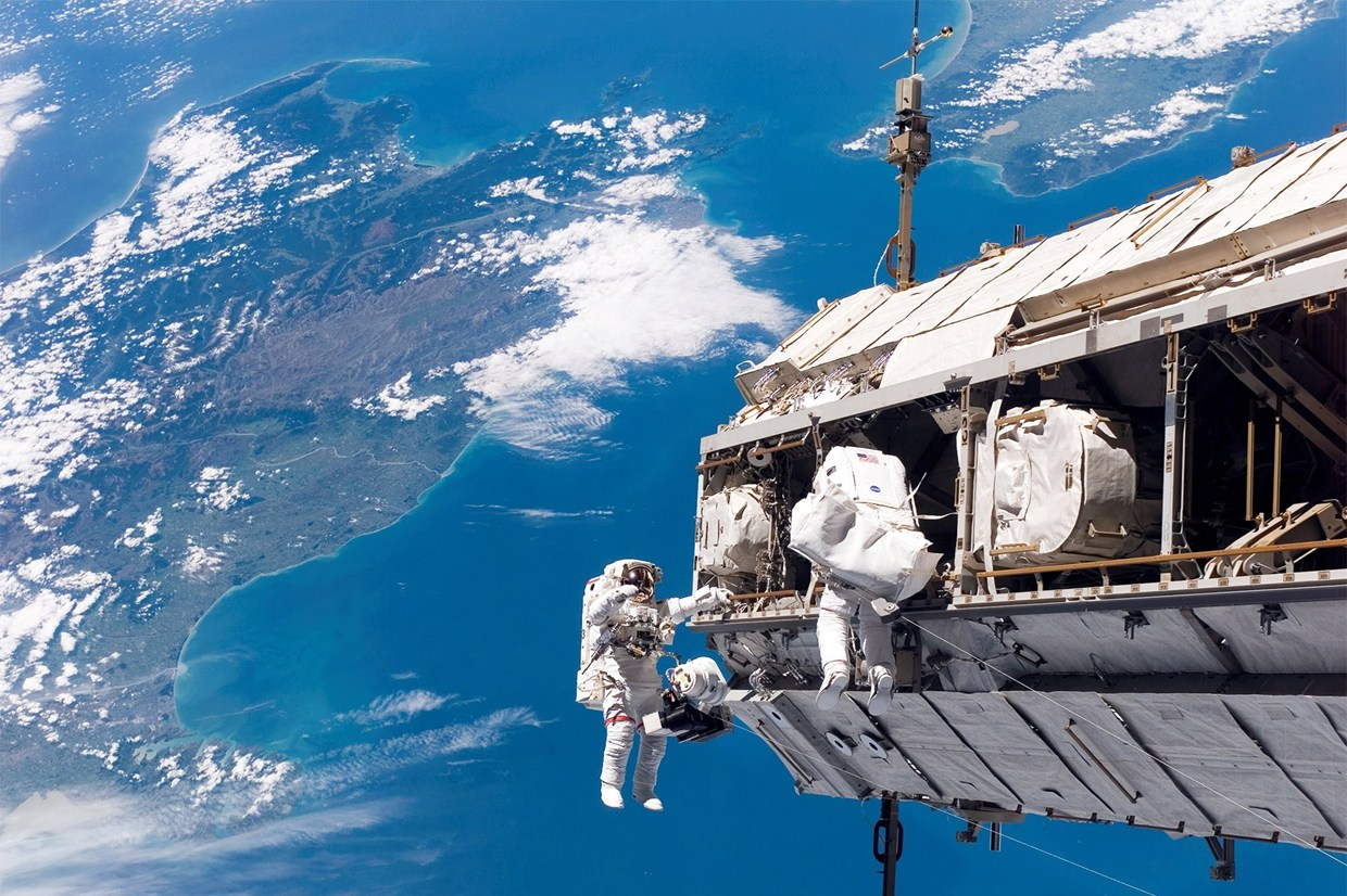 astronaut space walk - photo #24