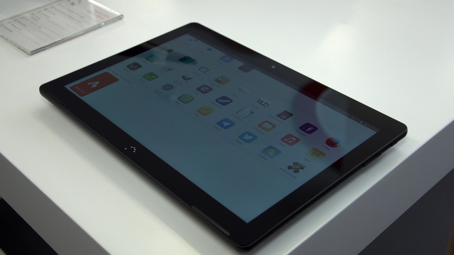 Video: This Ubuntu tablet switches to desktop mode when you plug in a keyboard