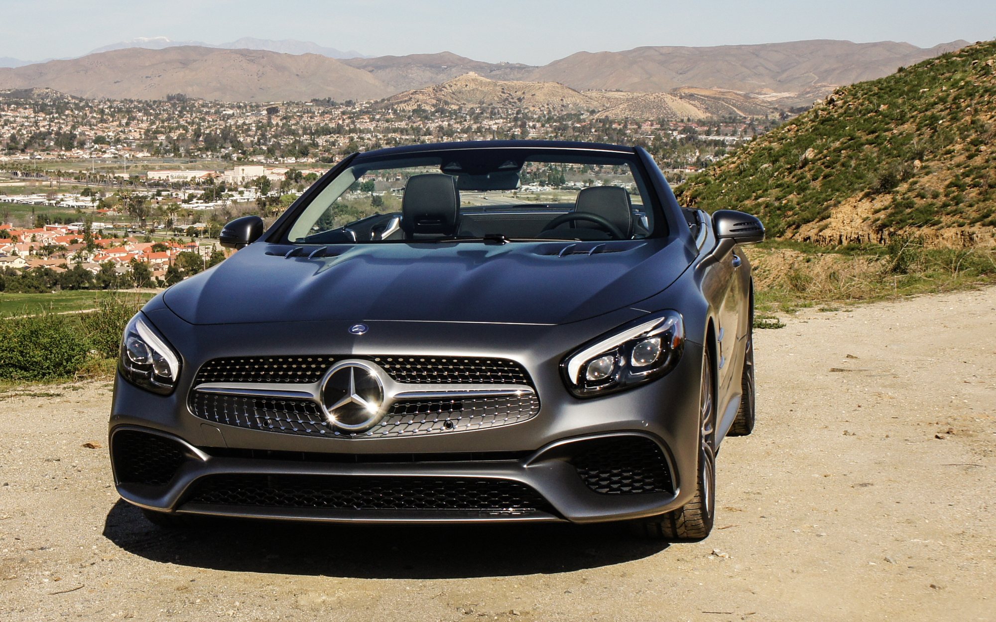 2017 mercedes benz sl550 emphasizes luxury style