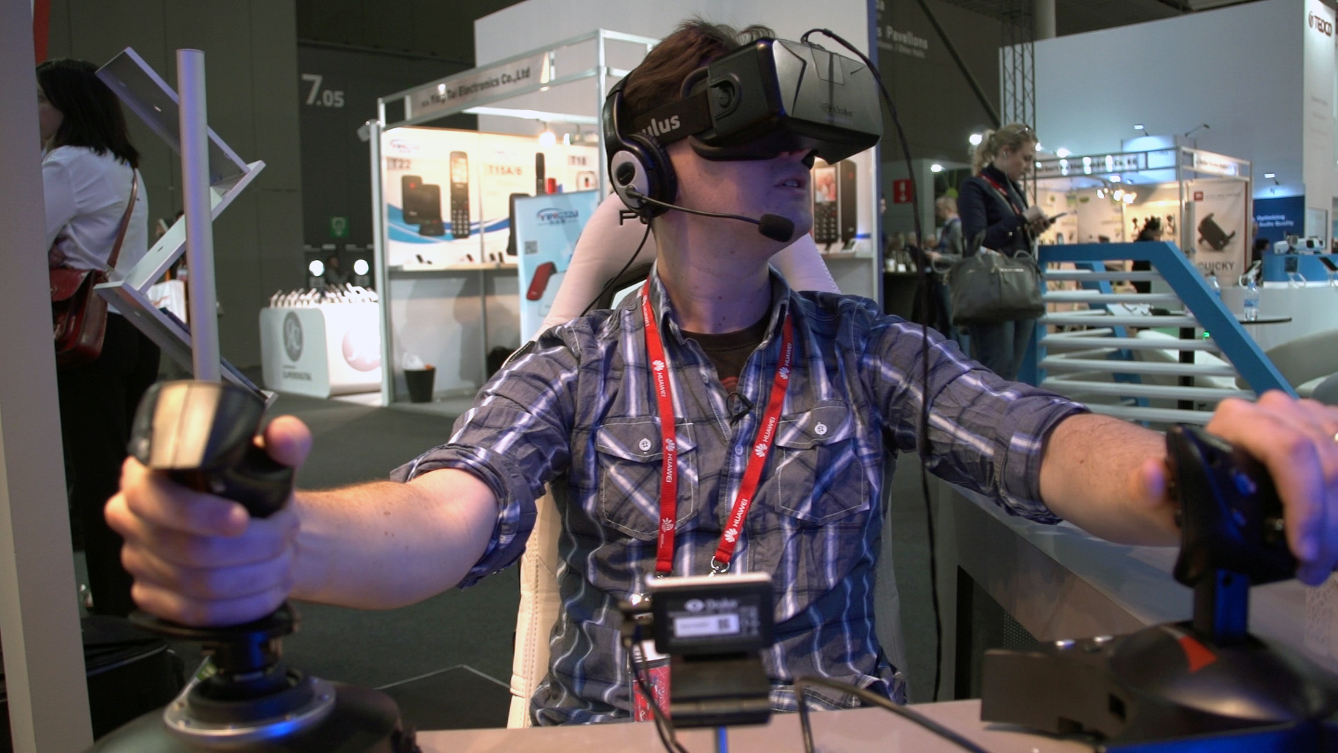 Video: CNET puts team VR to the test in virtual Mars mission