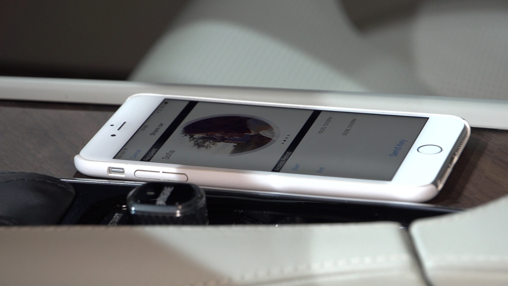 Video: Volvo app turns your phone into your car key