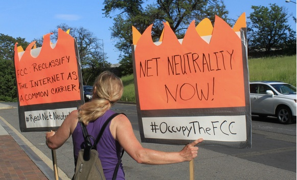 Net neutrality rules win big in court