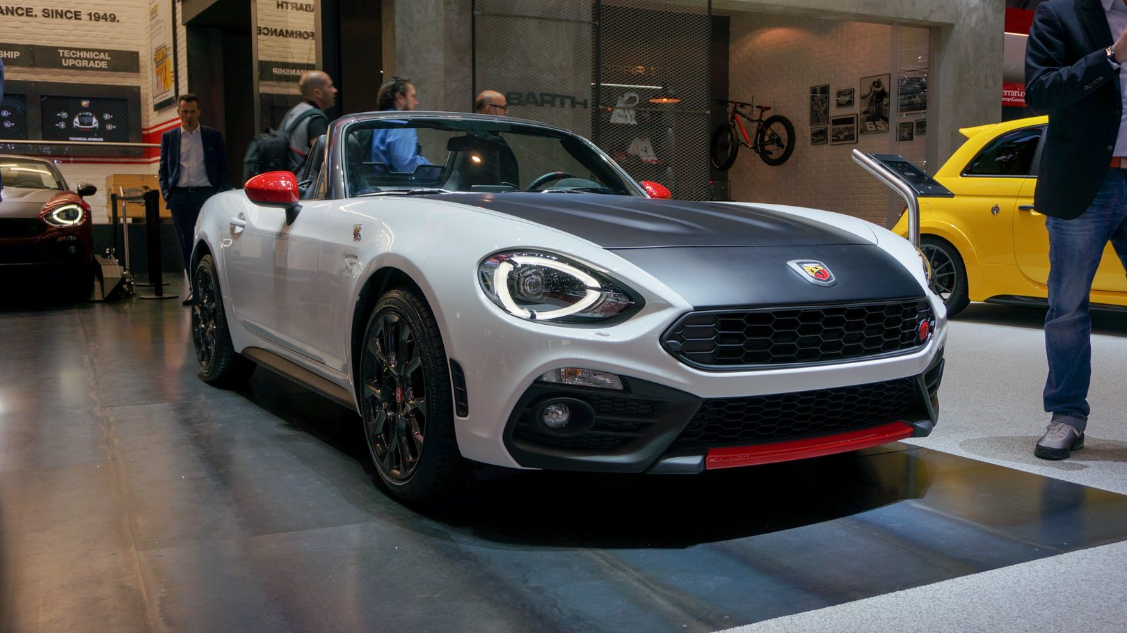 abarth 124 spider debuts alongside 300 horsepower rally prototype pictures page 21 roadshow. Black Bedroom Furniture Sets. Home Design Ideas