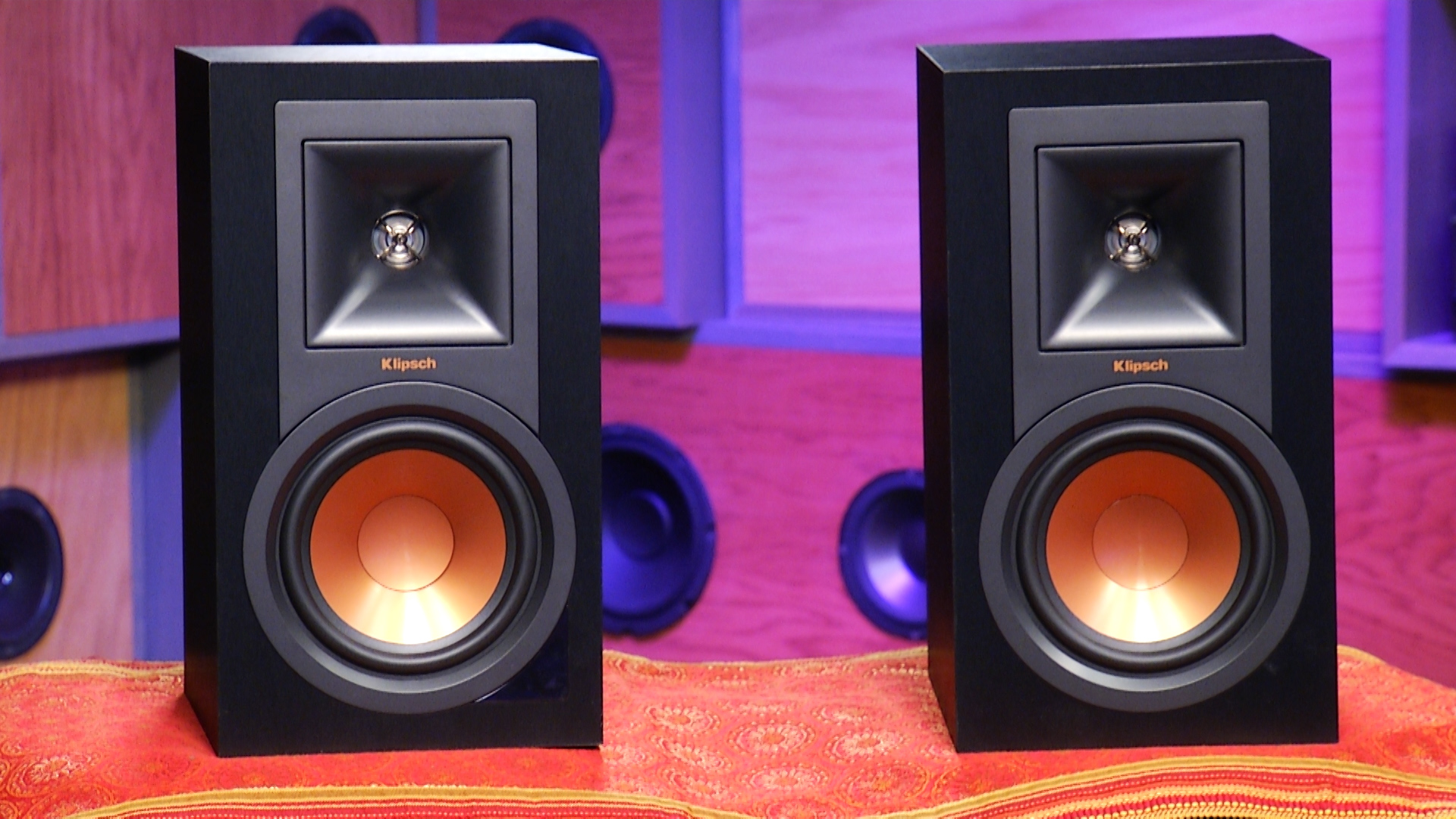 Video: Klipsch R-15PM powered speakers offer fresh take on the traditional hi-fi