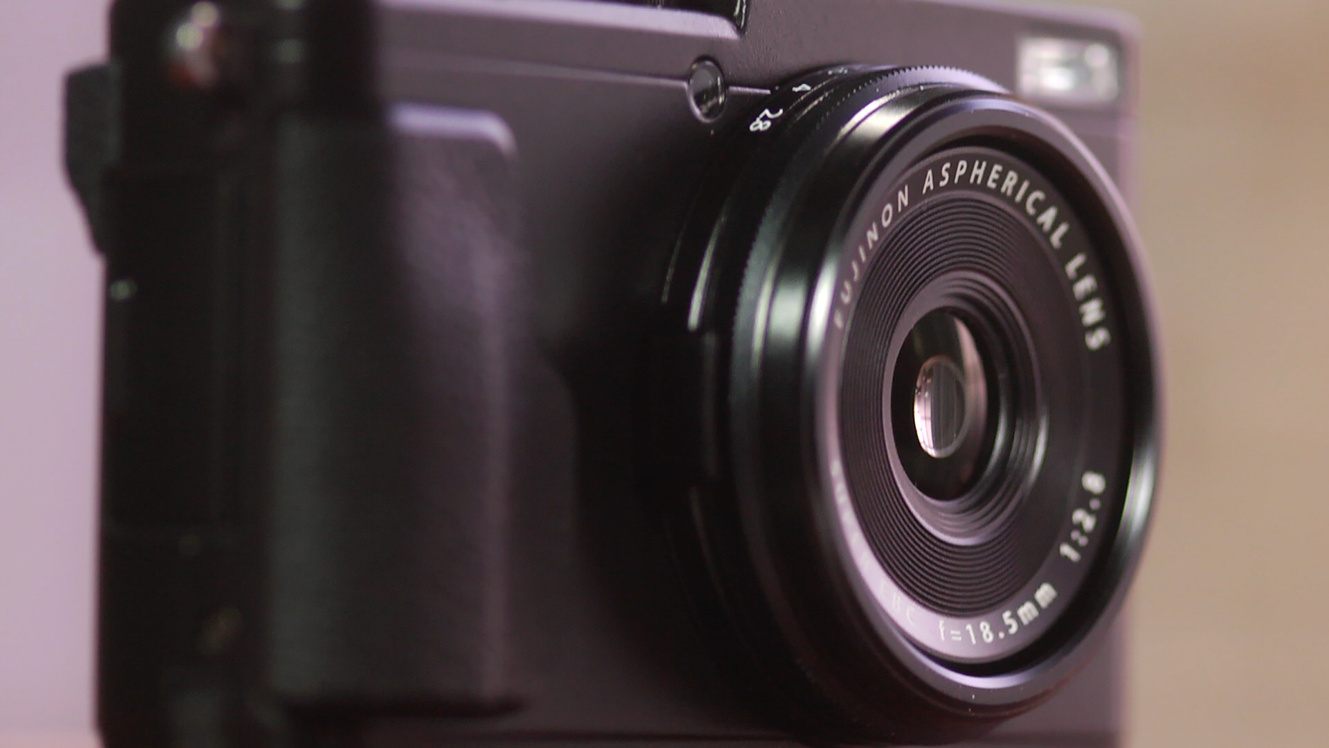 Video: Fujifilm X70: A camera for the wide world