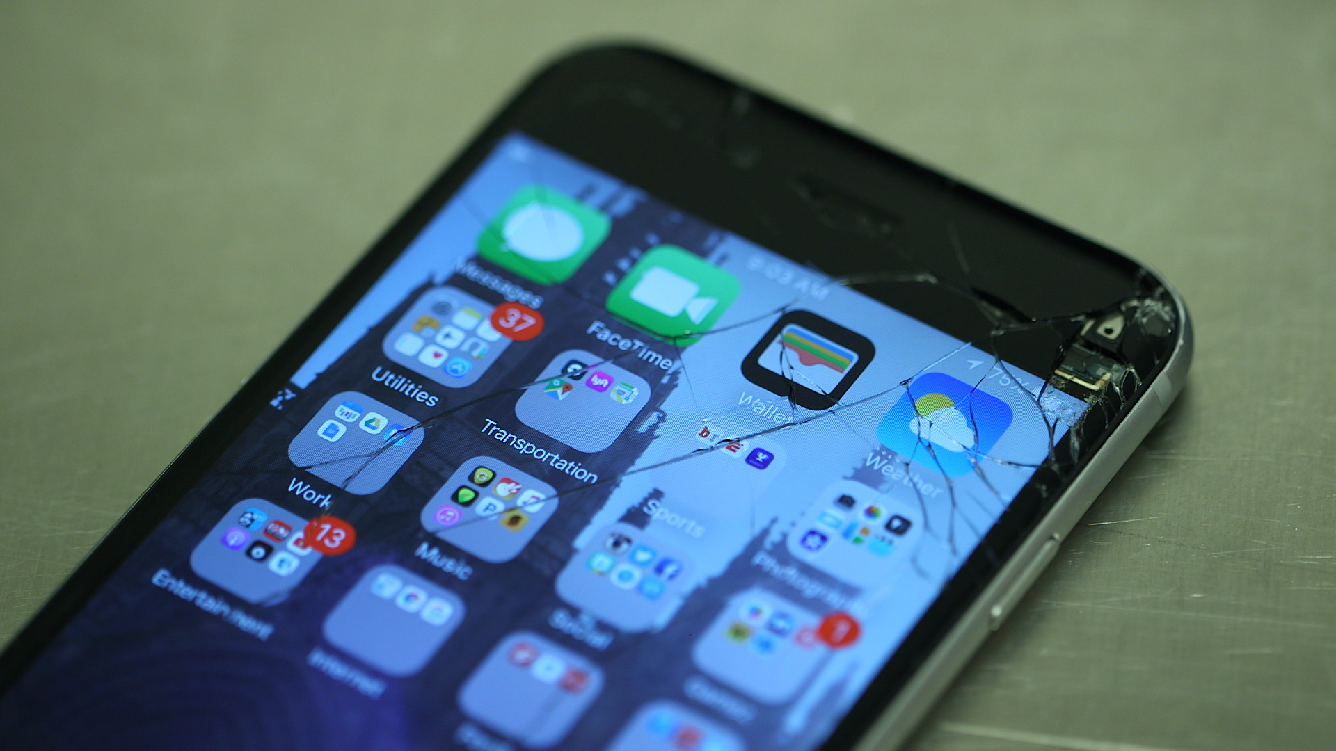 Video: What to do when your iPhone's screen breaks