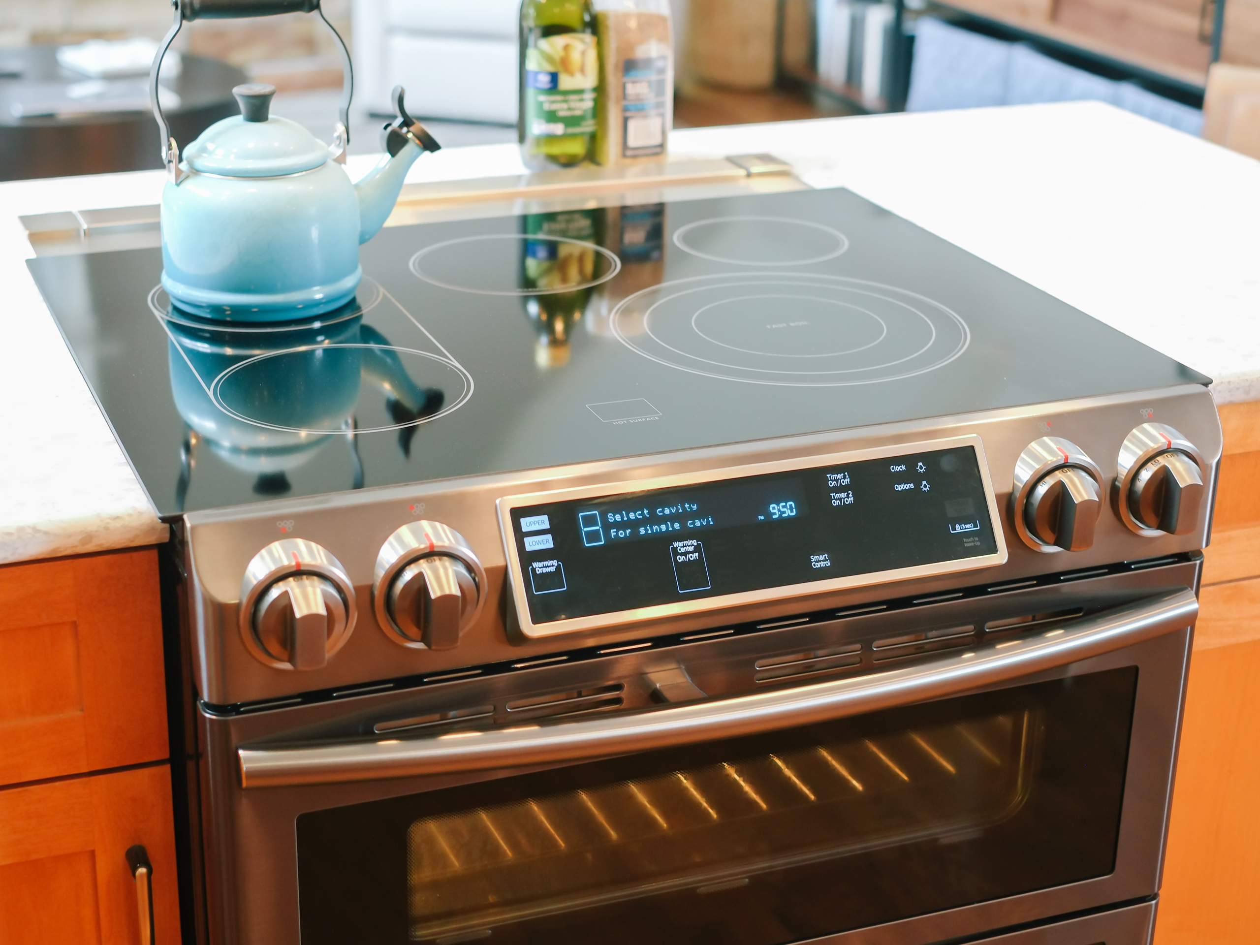 Samsung's Wi-Fi oven has some sizzle, but not a lot of bang