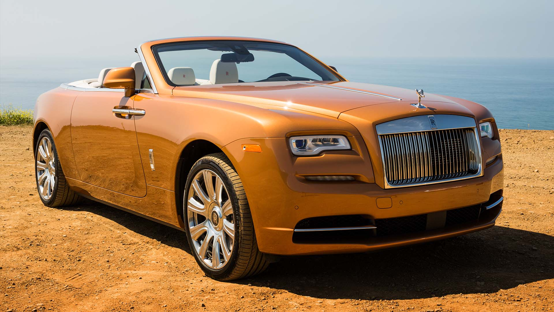 Video: Rolls-Royce brings us the new drophead Dawn