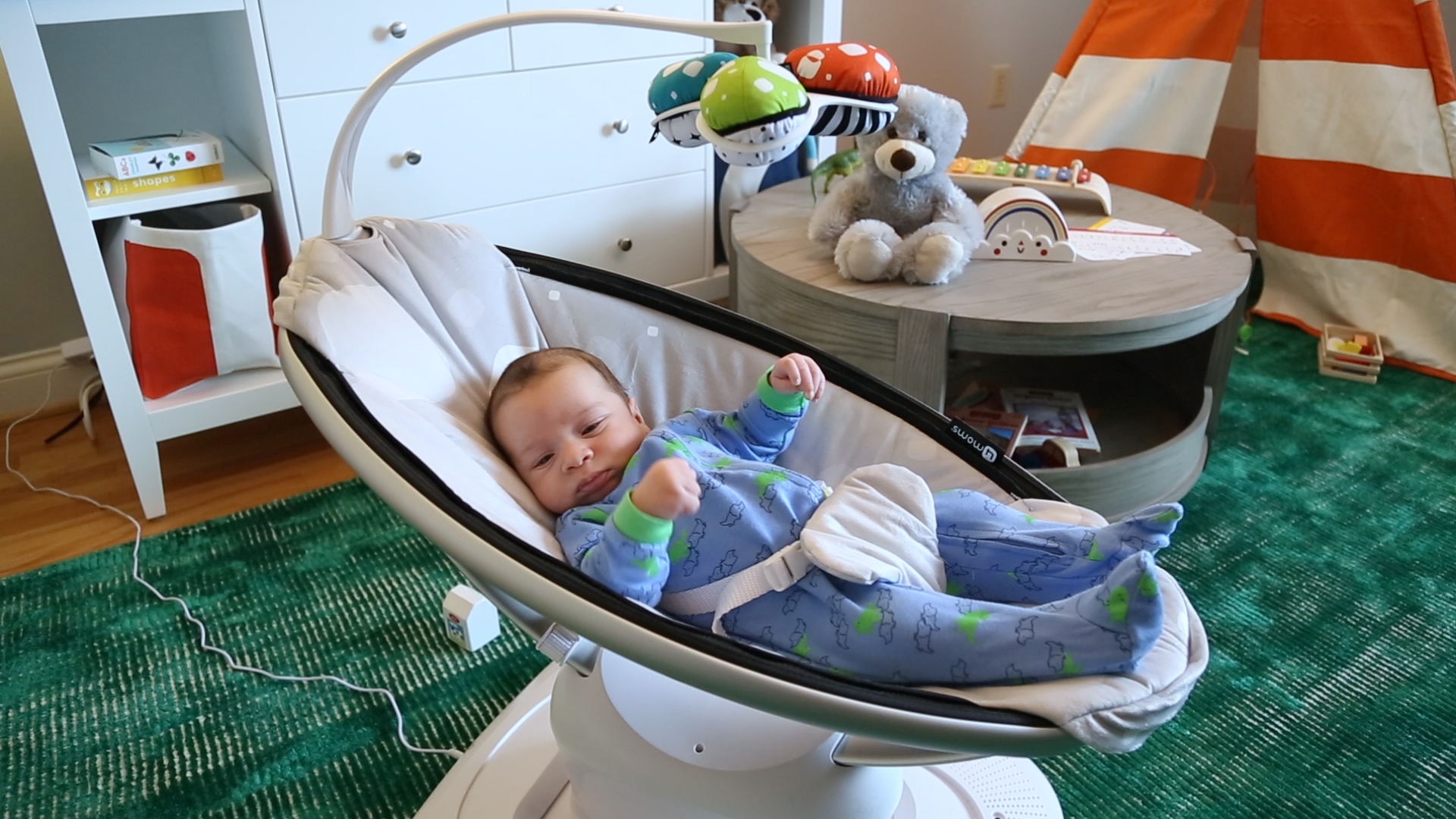 Video: Watch a baby test out this smart infant seat