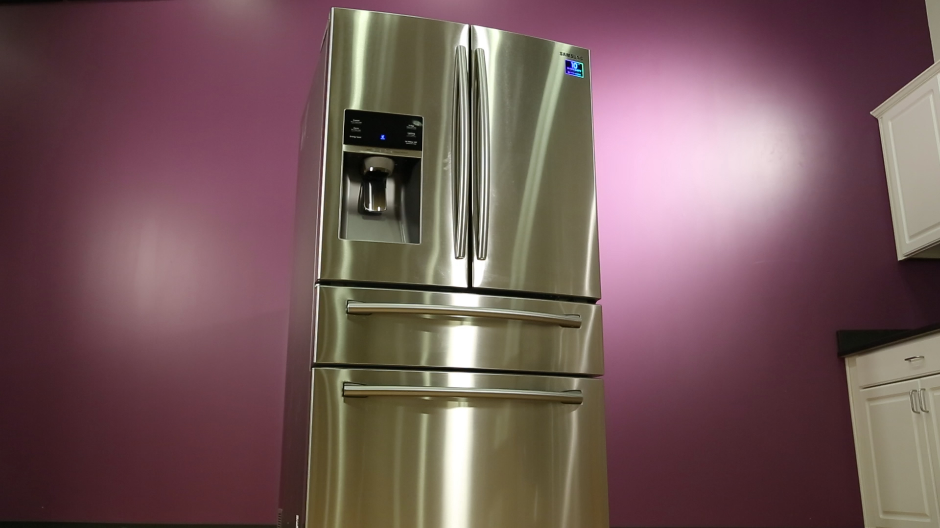 This Samsung fridge comes with a deluxe drawer