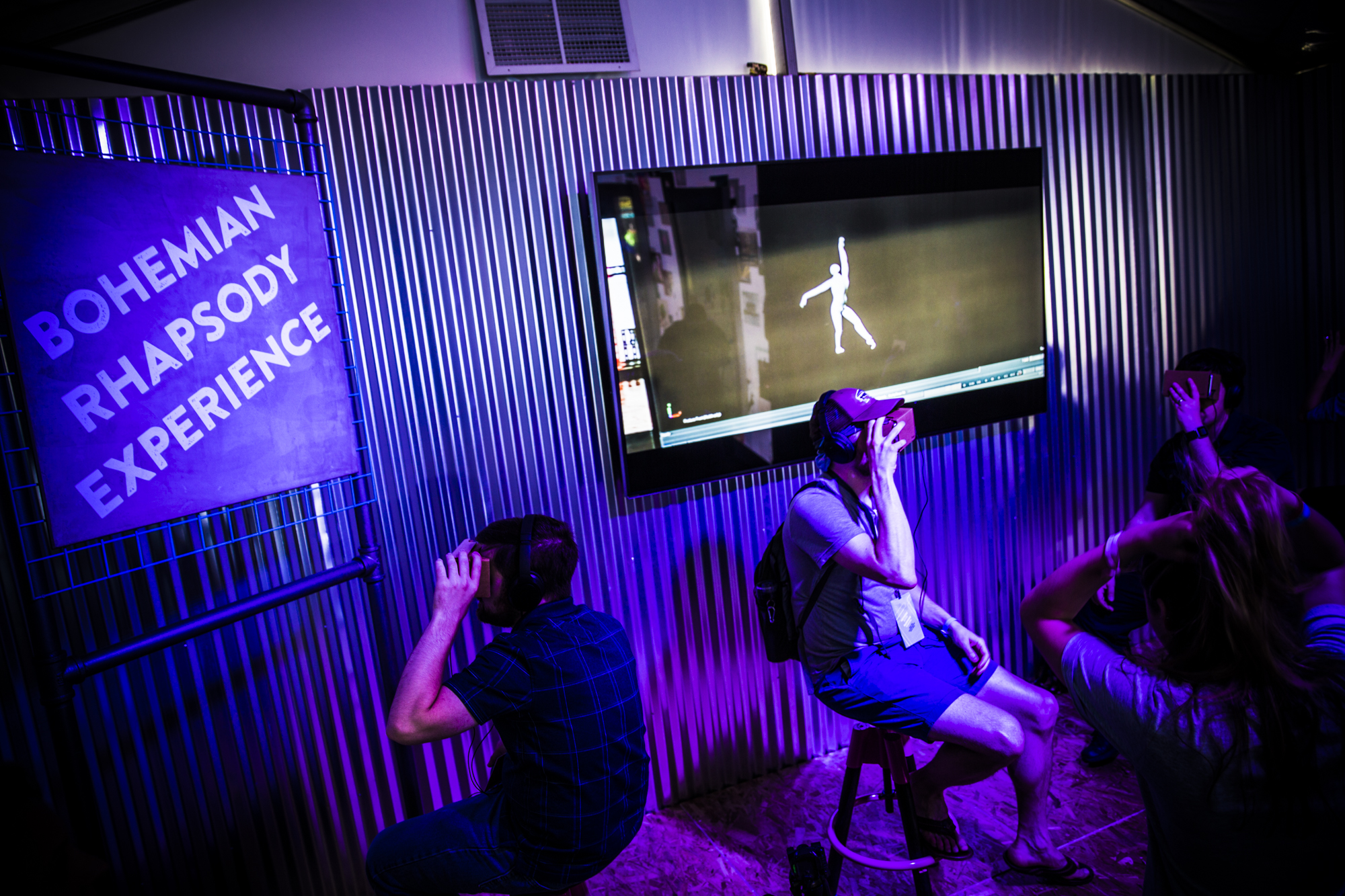 <p>Inside the Google Play Music room, the Bohemian Rhapsody Experience treated Cardboard viewers to a behind-the-scenes VR dance recital.</p>