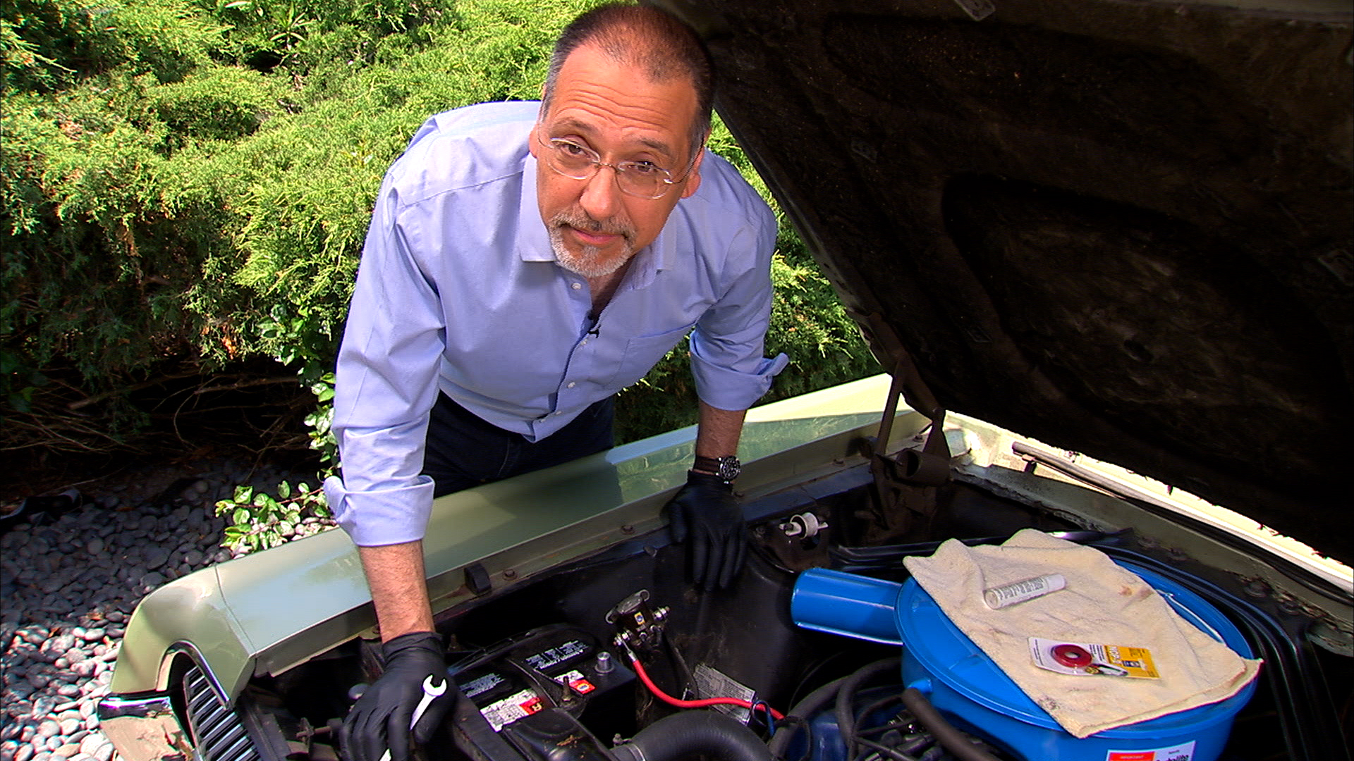 Video: How to change your car battery