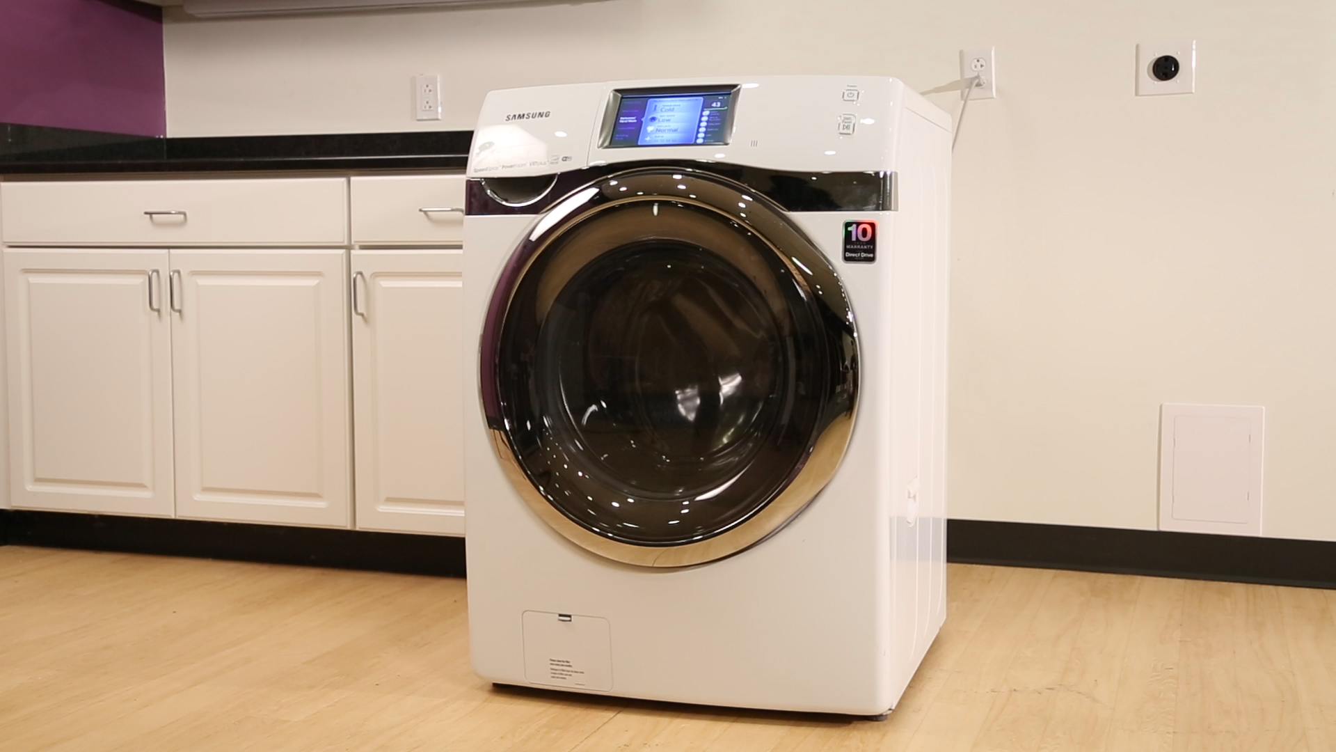 Video: Samsung's smart washer is a pretty quick study