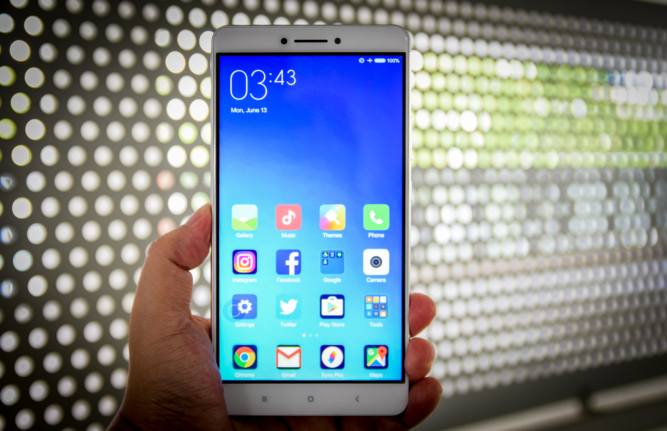 Video: Xiaomi Mi Max is a big phone for video watching