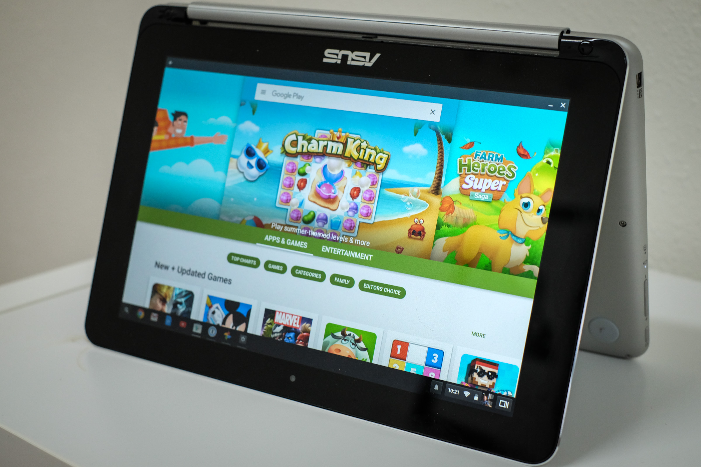 <p>ASUS Chromebook Flip running the Android Play Store.</p>