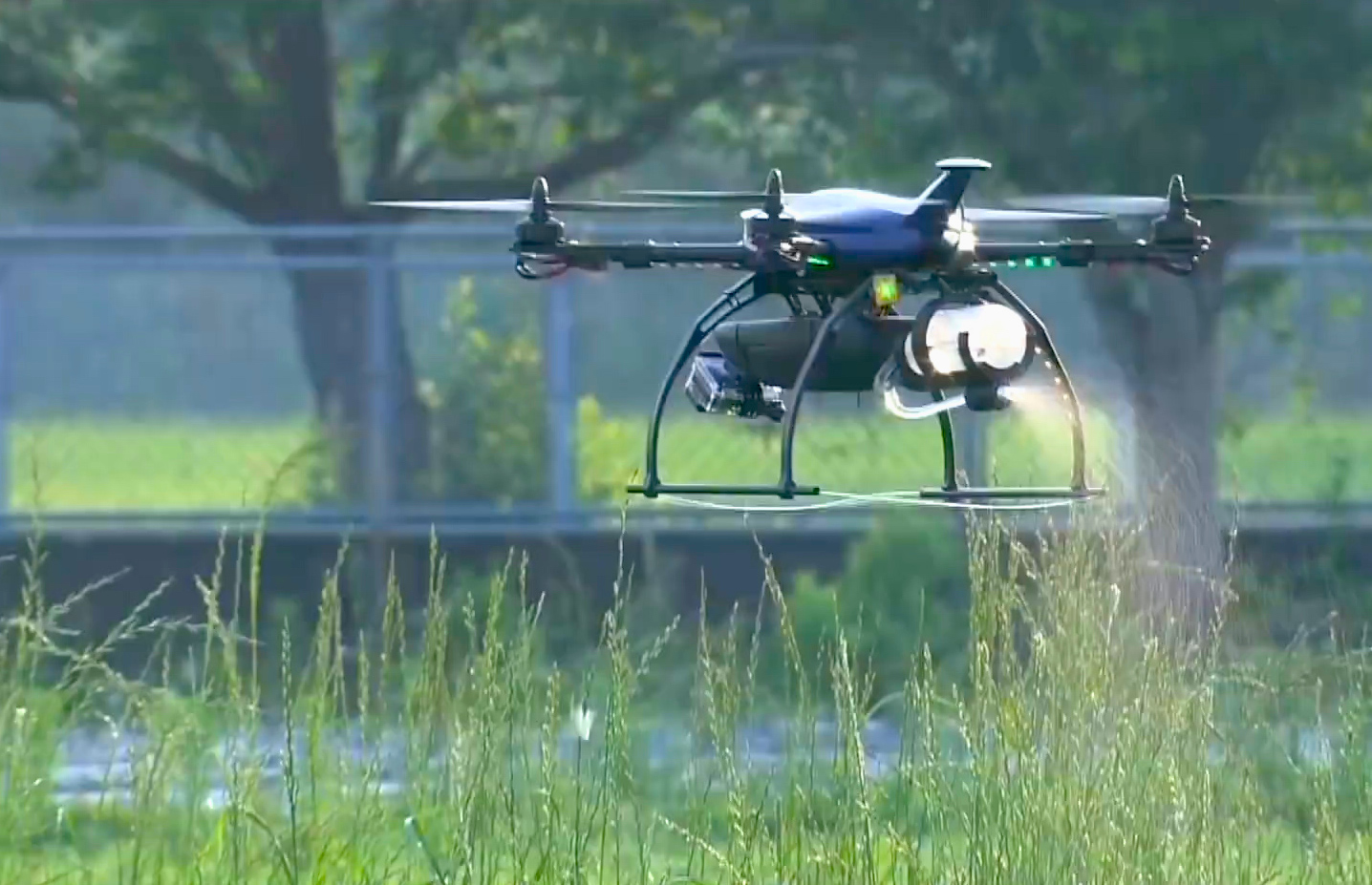 Video: Agridrone is made for targeted bug strikes (Tomorrow Daily 381)
