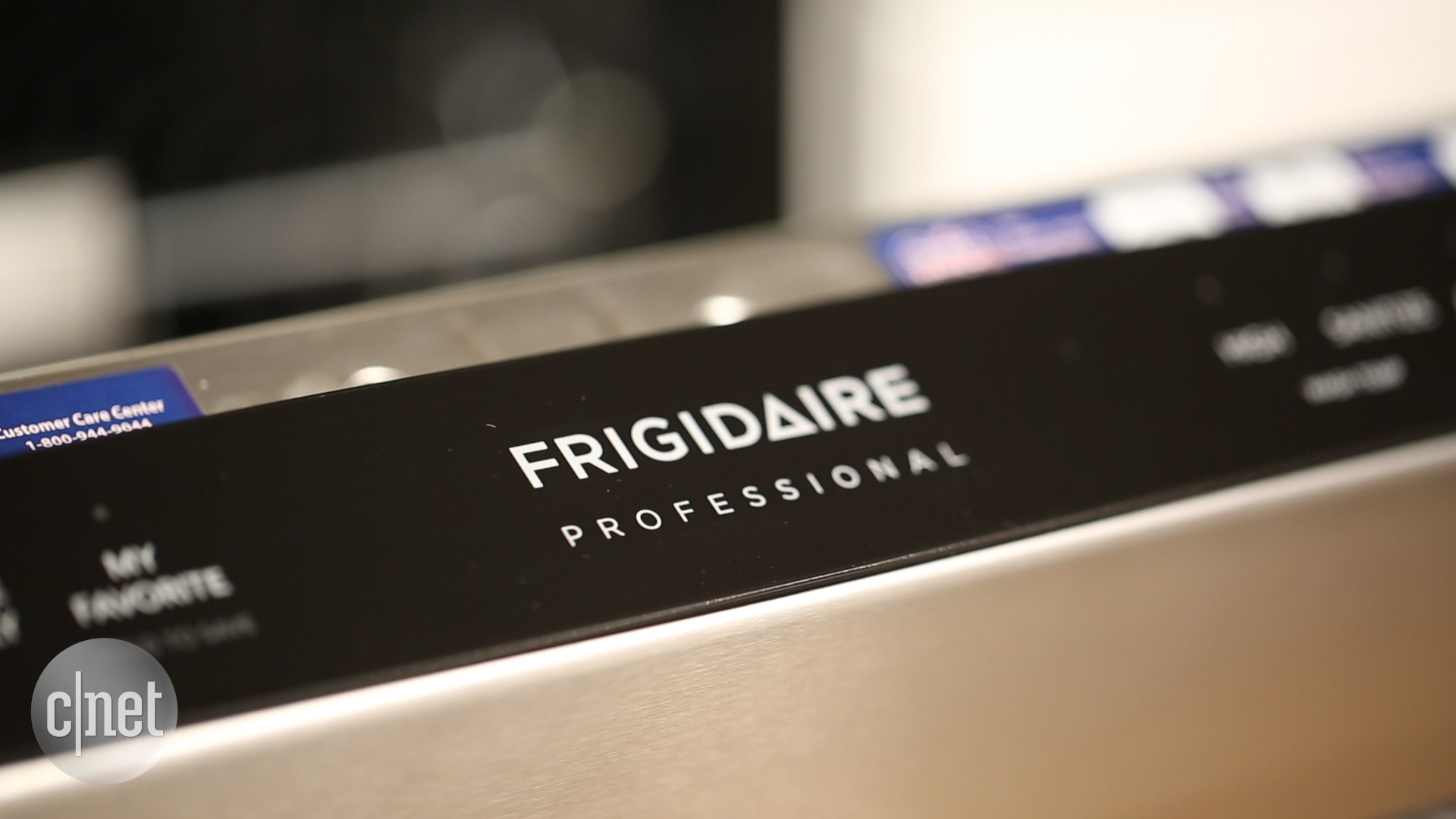 Video: Try as it might, this Frigidaire dishwasher can't keep food down