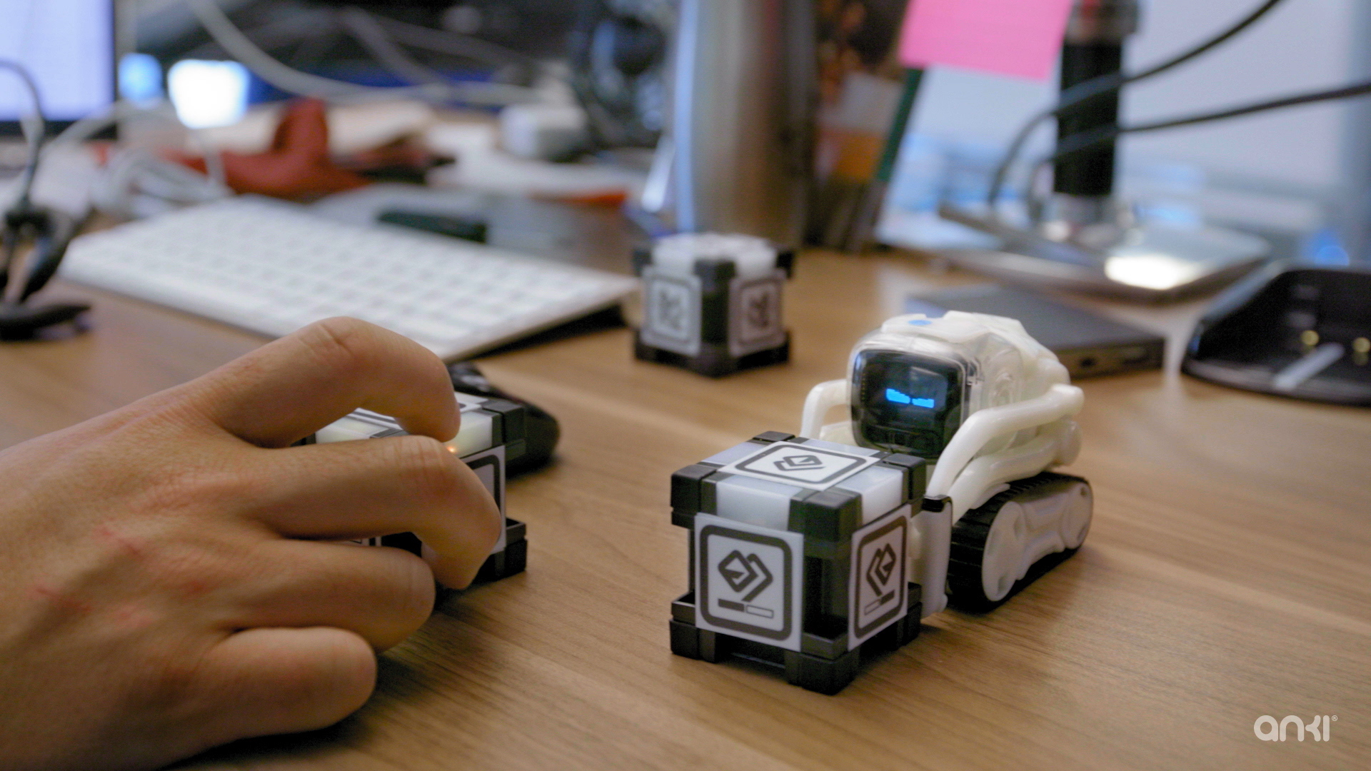 Anki S Cozmo Robot Is A Mashup Of Adorable And Ai