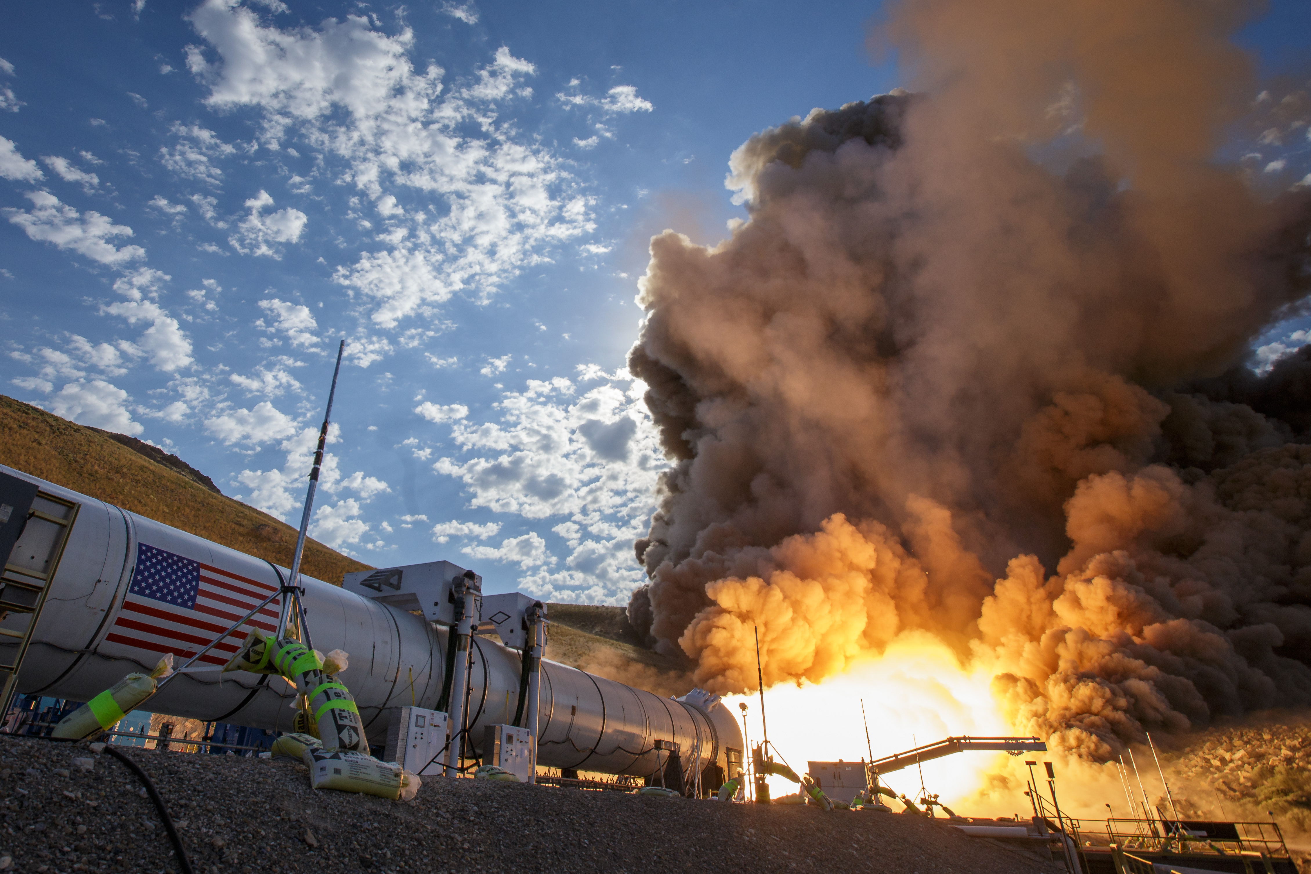 Video: NASA's successful rocket booster test gets us one step closer to Mars (Tomorrow Daily 385)