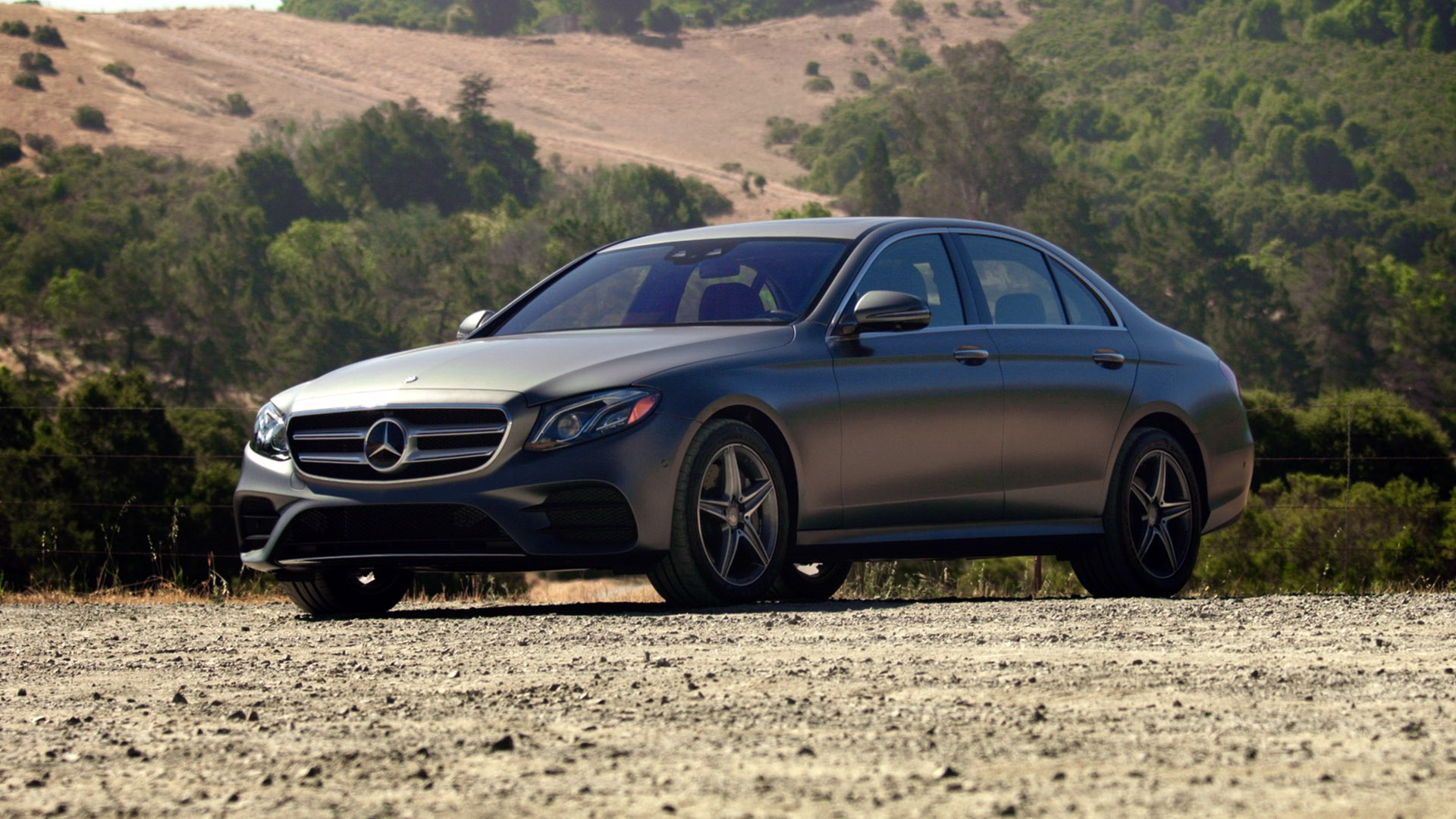 Video: 10th generation Mercedes-Benz E-class is smart and stylish