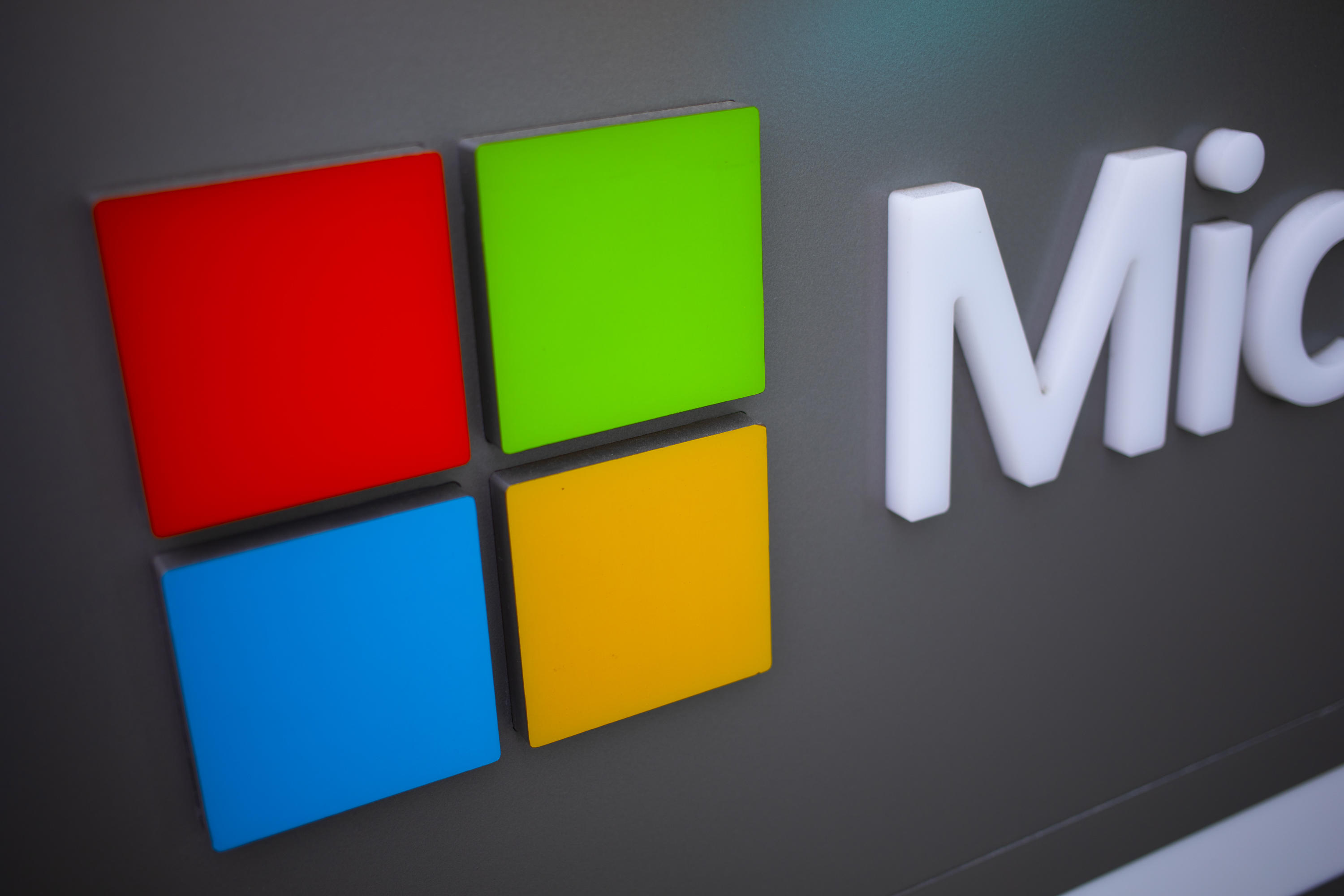 Microsoft will require vaccination proof to enter its facilities     - CNET